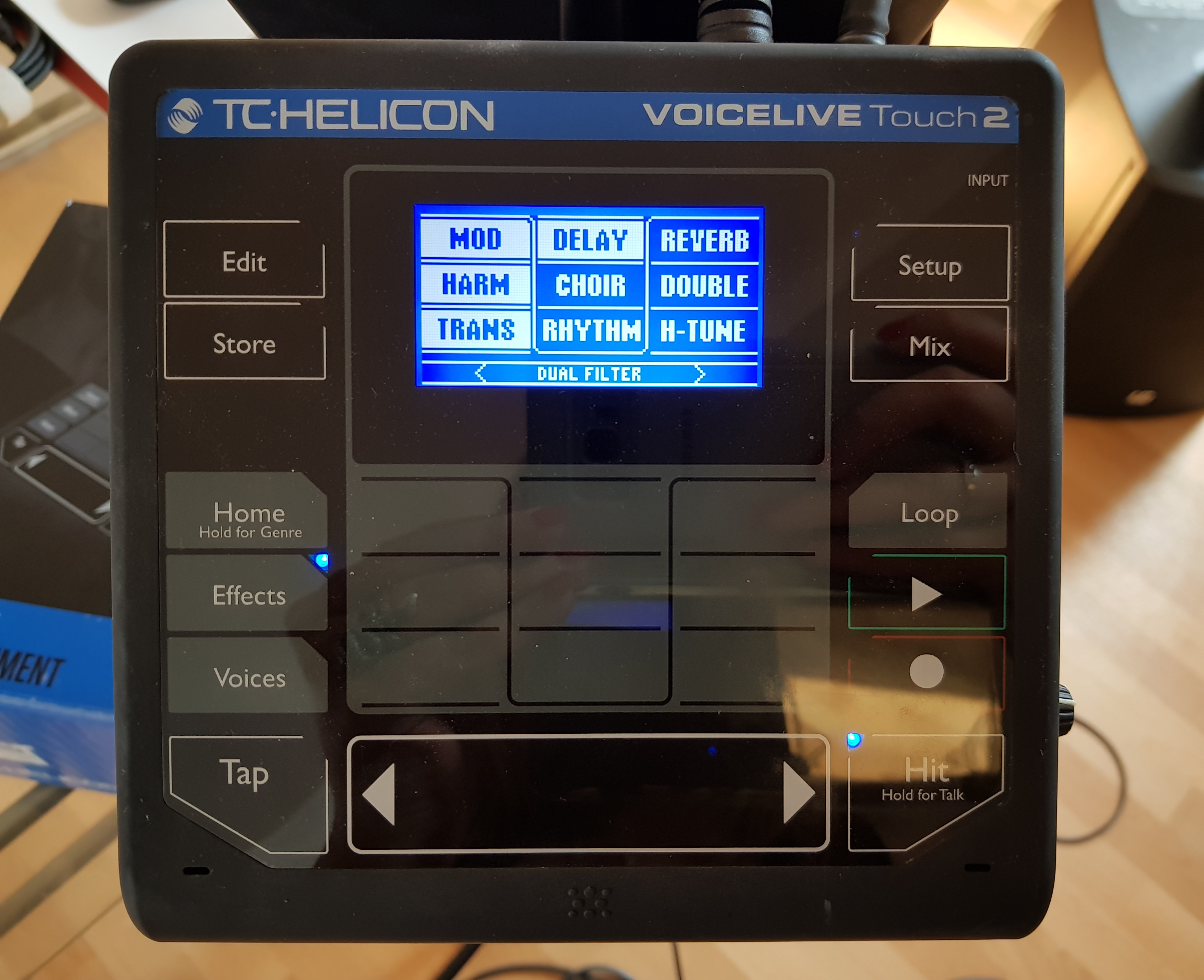 photo tc helicon voicelive touch 2 tc helicon voicelive touch 2 52738 1930622 audiofanzine. Black Bedroom Furniture Sets. Home Design Ideas