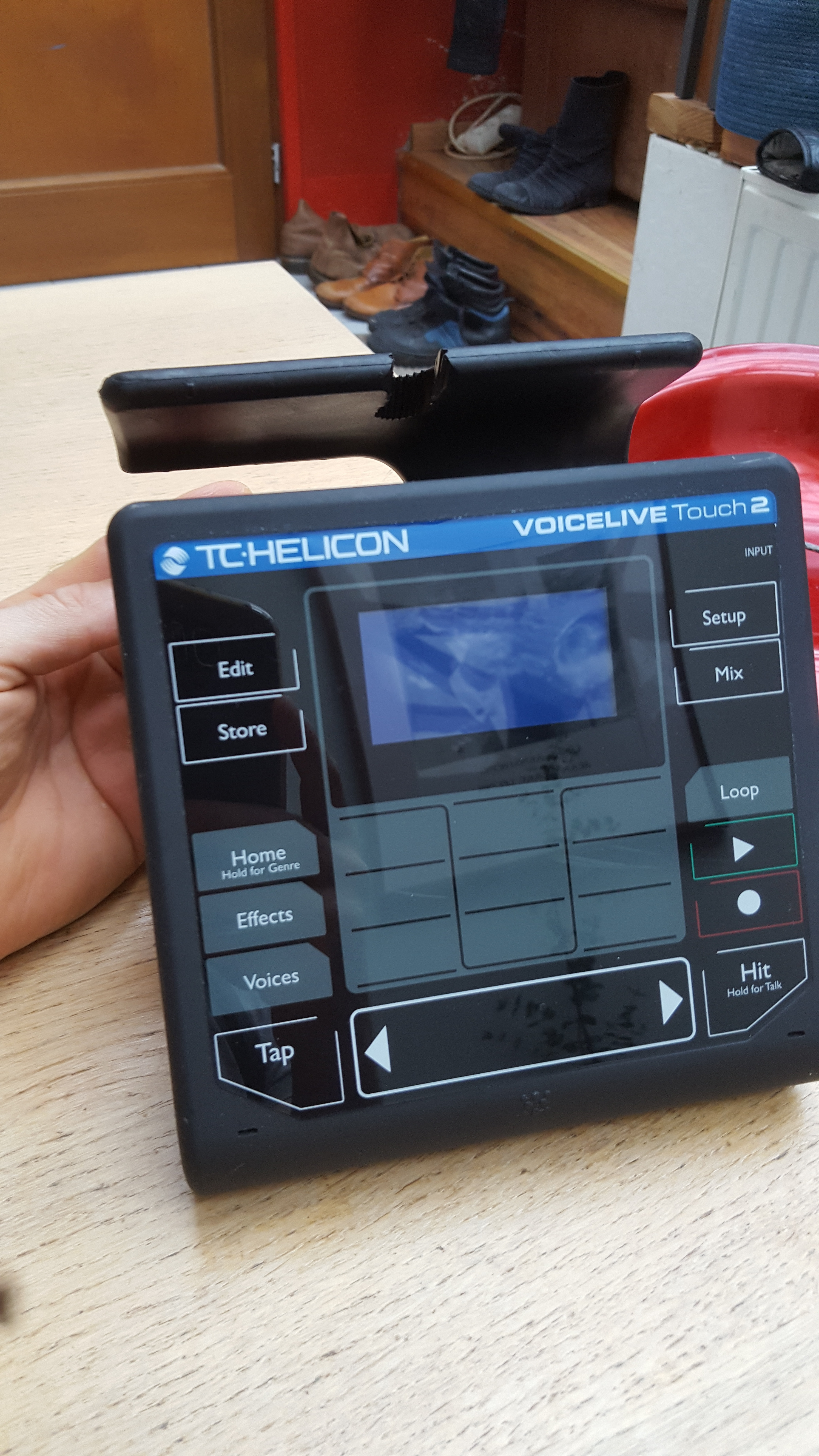 voicelive touch 2 tc helicon voicelive touch 2 audiofanzine. Black Bedroom Furniture Sets. Home Design Ideas