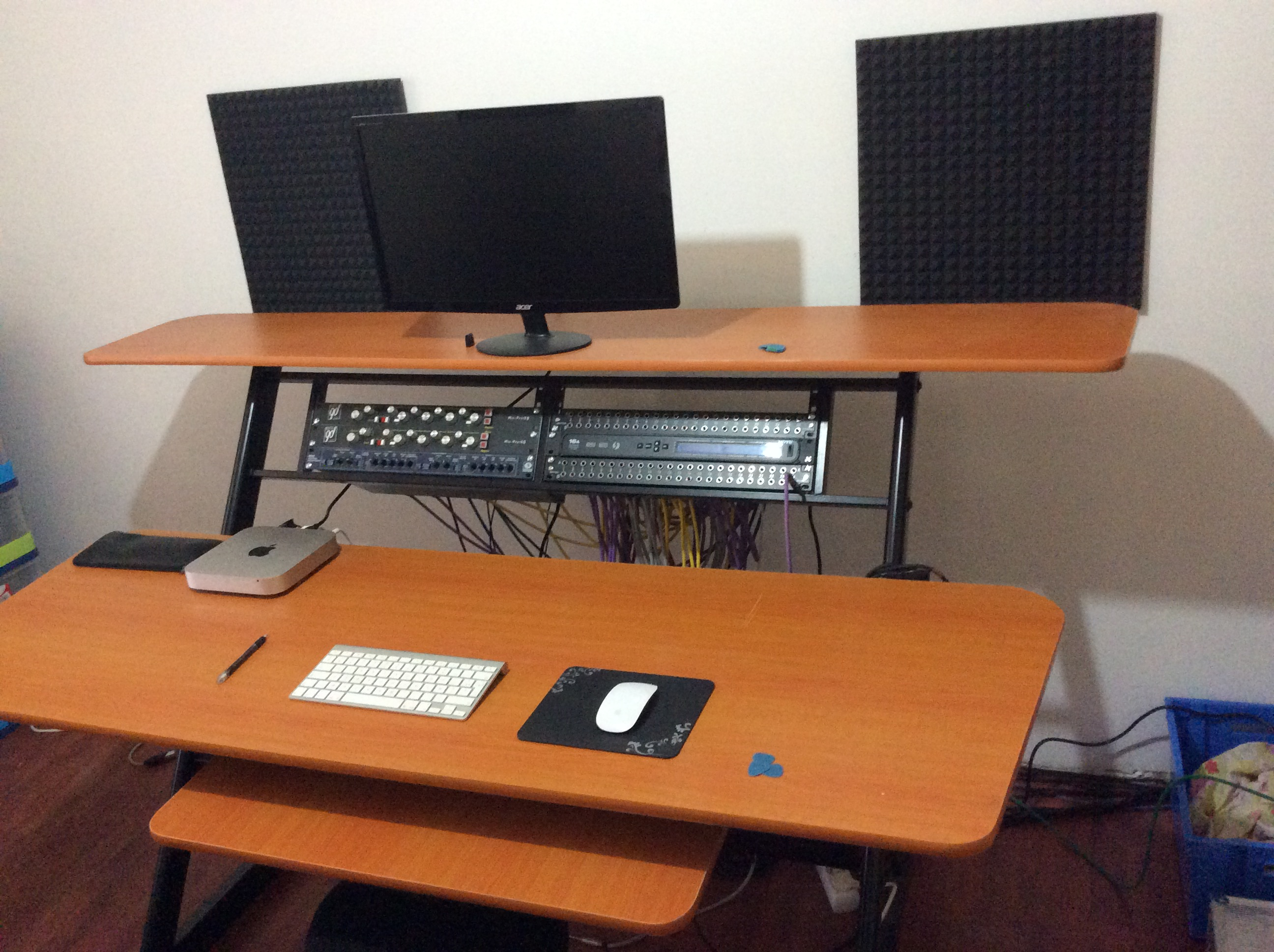 bureau studio no name meuble rack bureau studio image. Black Bedroom Furniture Sets. Home Design Ideas