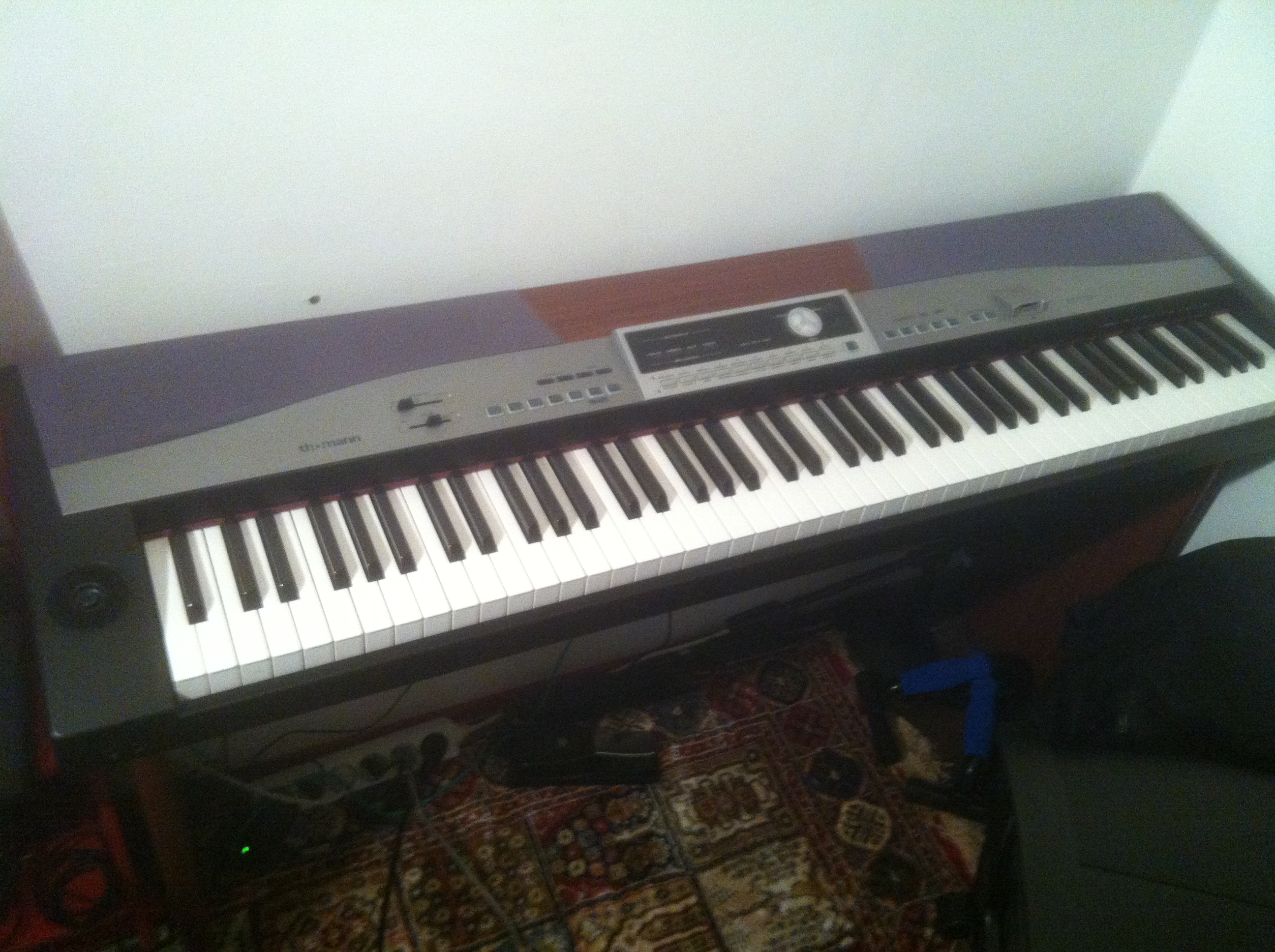 vends piano thomann sp 5100 ile de france audiofanzine. Black Bedroom Furniture Sets. Home Design Ideas