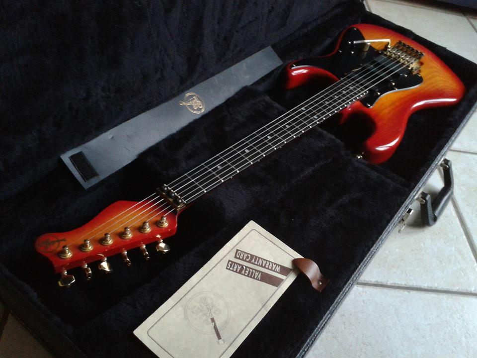 valley arts guitars custom pro usa steve lukather model image 795281 audiofanzine. Black Bedroom Furniture Sets. Home Design Ideas