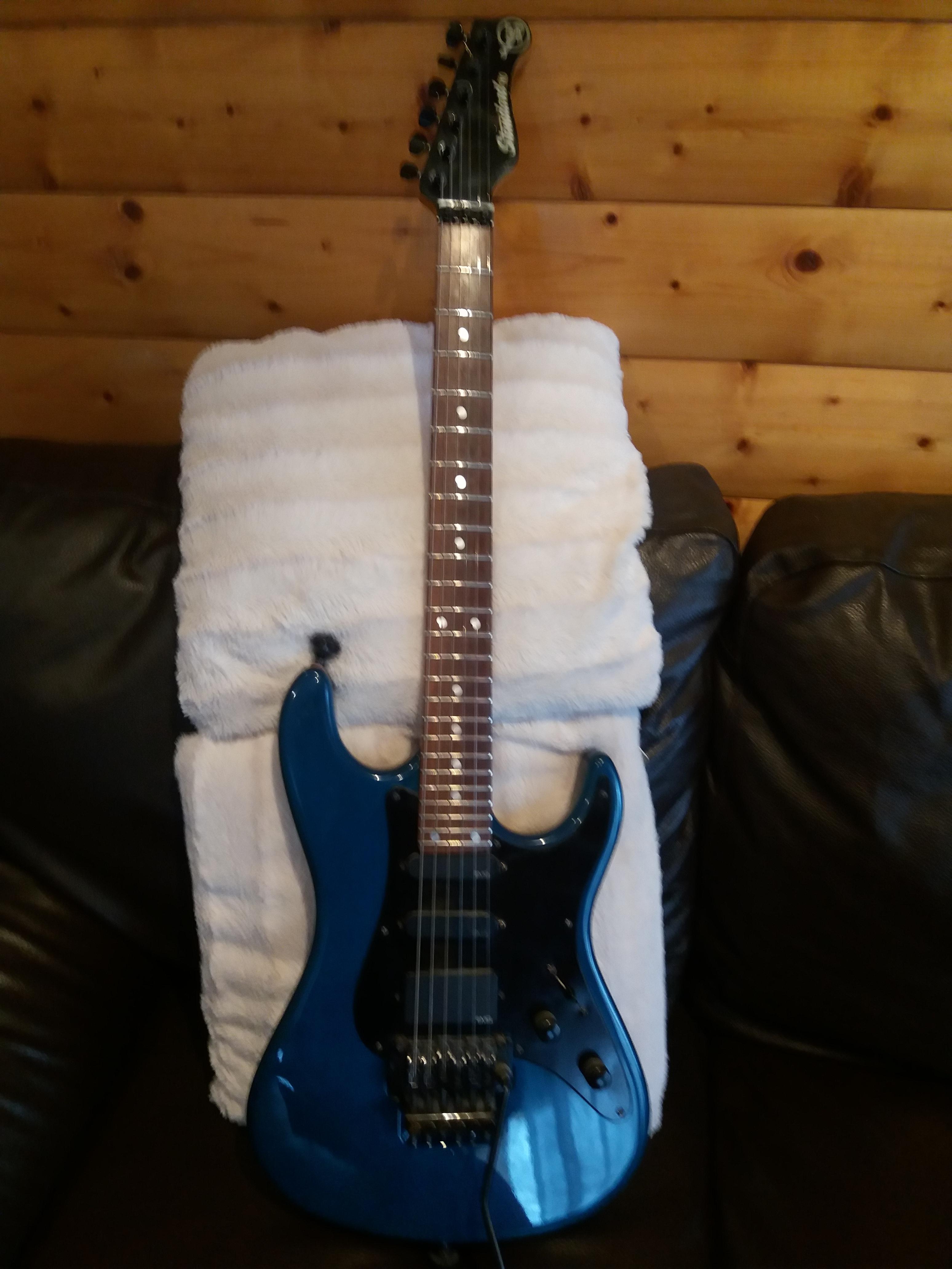 valley arts guitars standard pro image 1660778 audiofanzine. Black Bedroom Furniture Sets. Home Design Ideas
