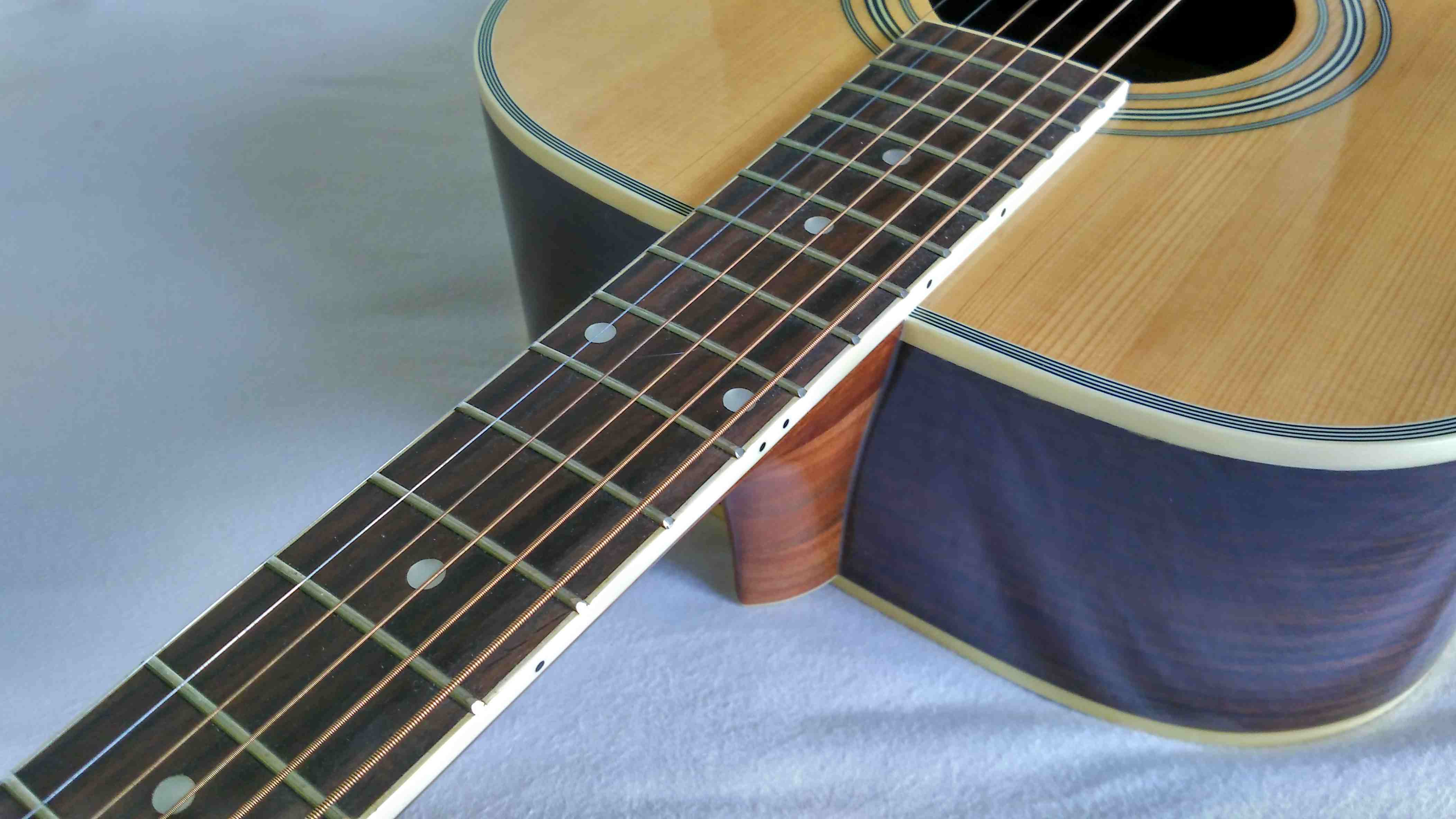 guitare acoustique valley and blues