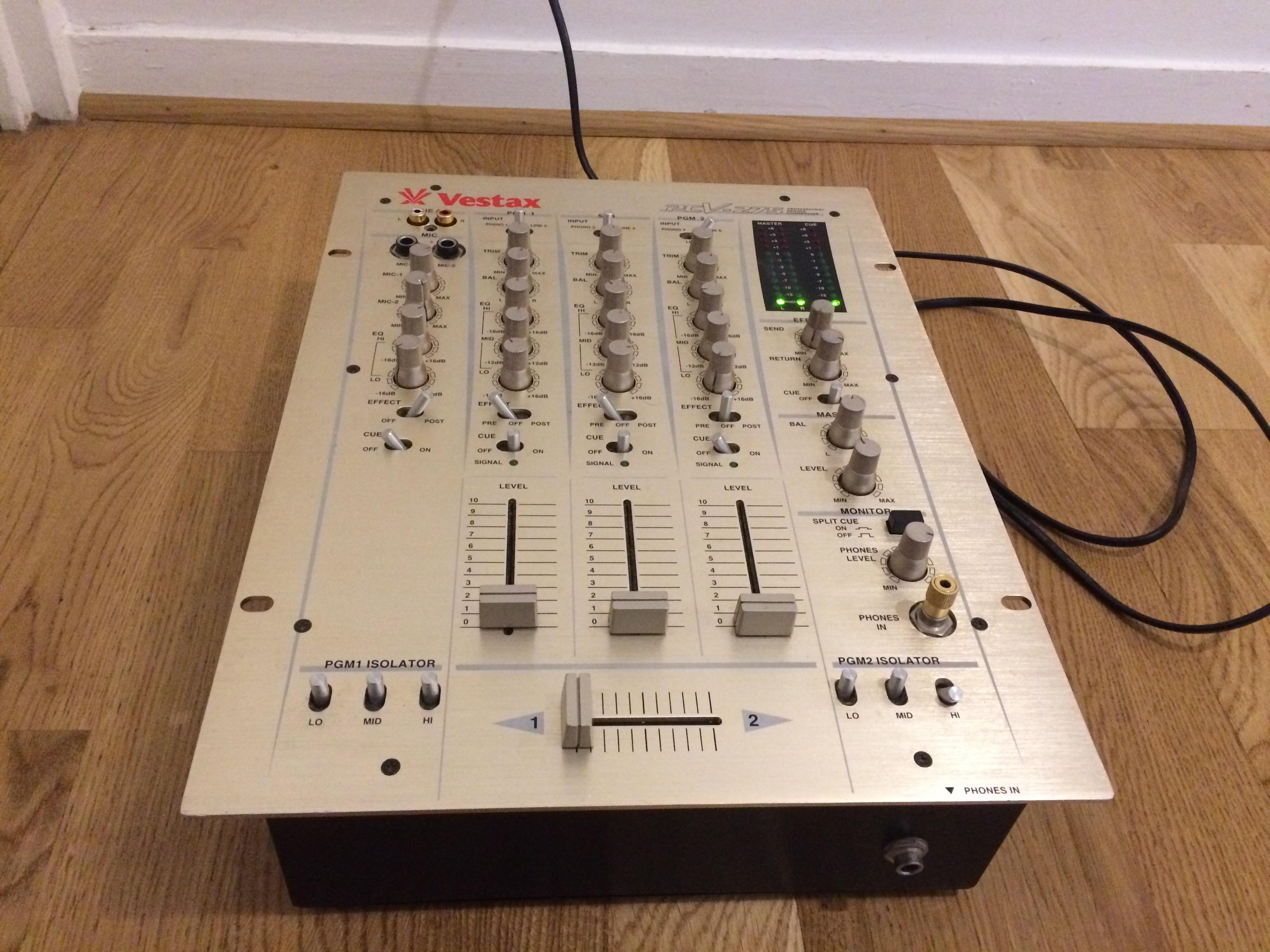 table de mixage vestax pcv 275
