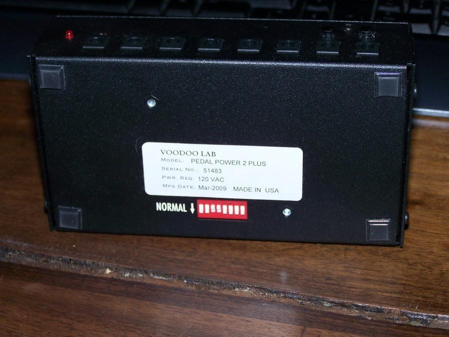 voodoo lab pedal power 2 plus image 48207 audiofanzine. Black Bedroom Furniture Sets. Home Design Ideas