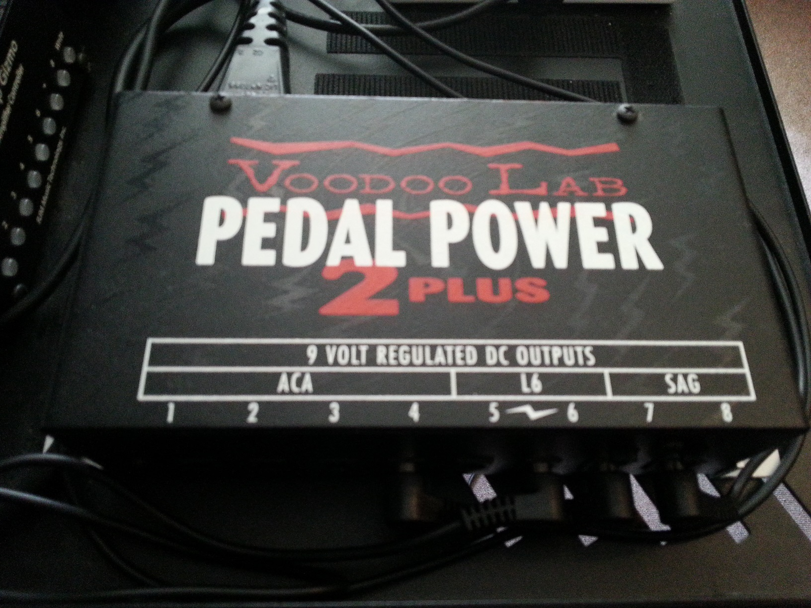 voodoo lab pedal power 2 plus image 892151 audiofanzine. Black Bedroom Furniture Sets. Home Design Ideas