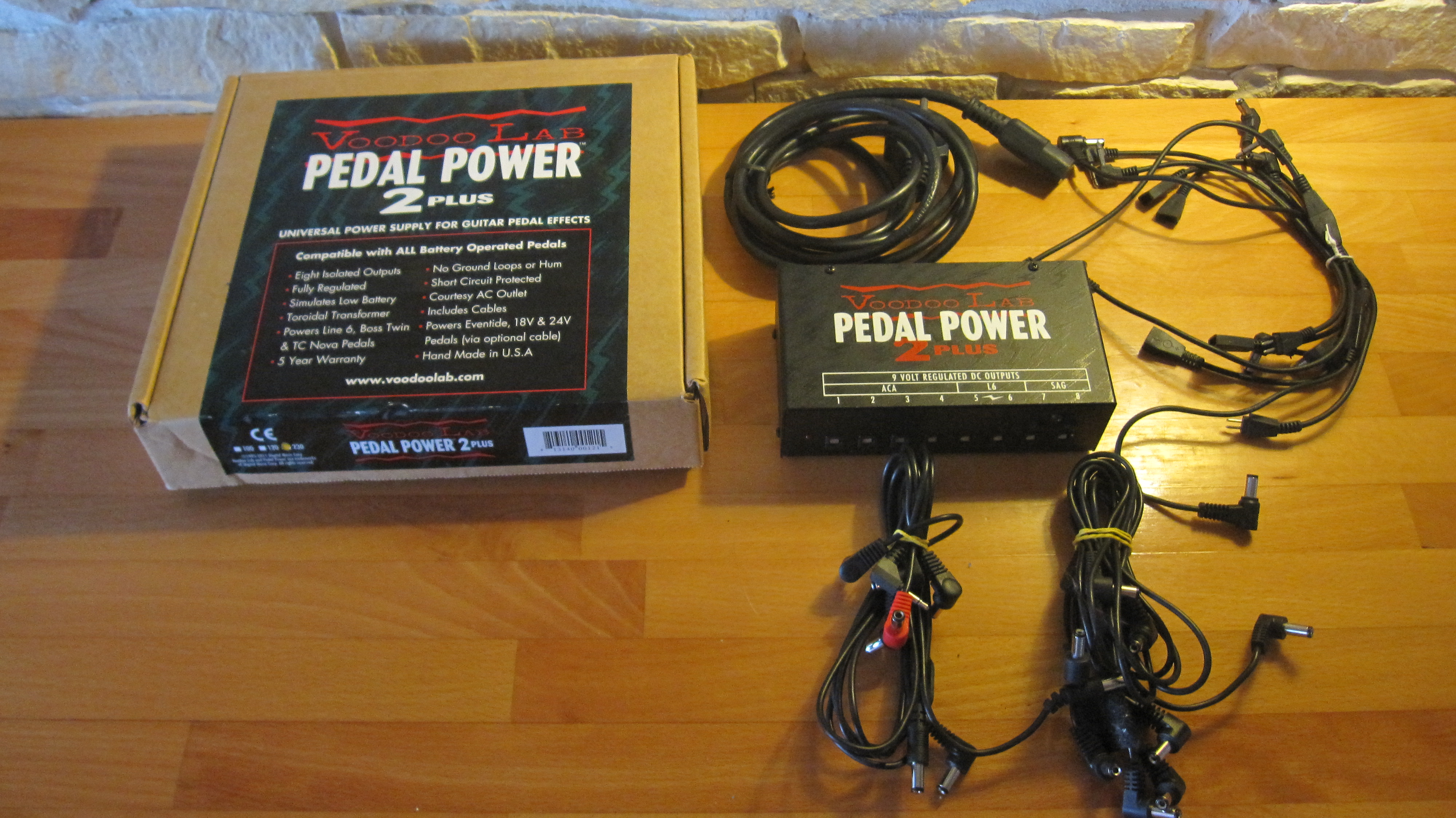 voodoo lab pedal power 2 plus image 901037 audiofanzine. Black Bedroom Furniture Sets. Home Design Ideas
