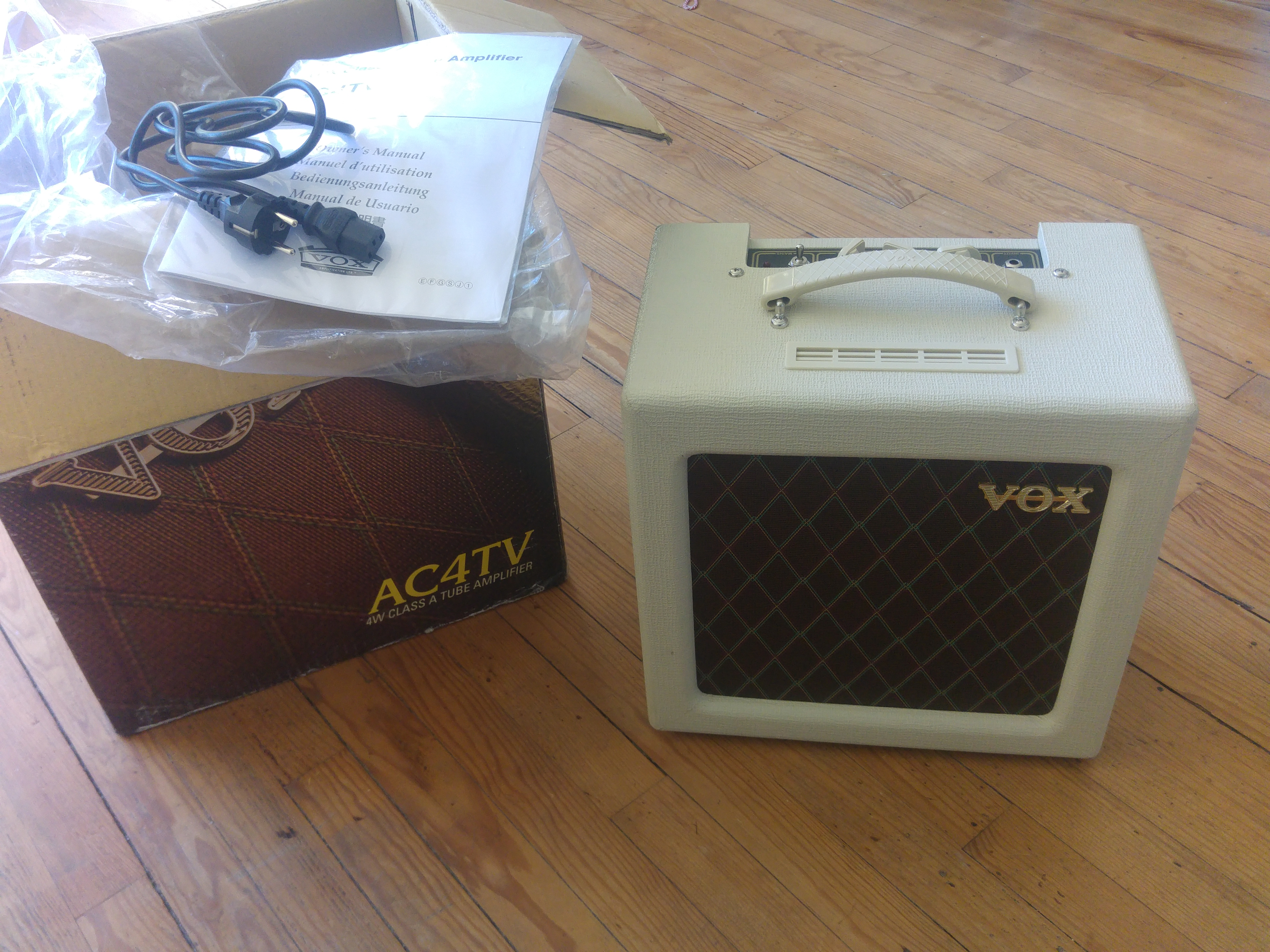 vox ac4tv image 2033401 audiofanzine rh en audiofanzine com vox ac4tv service manual Vox AC4TV Size