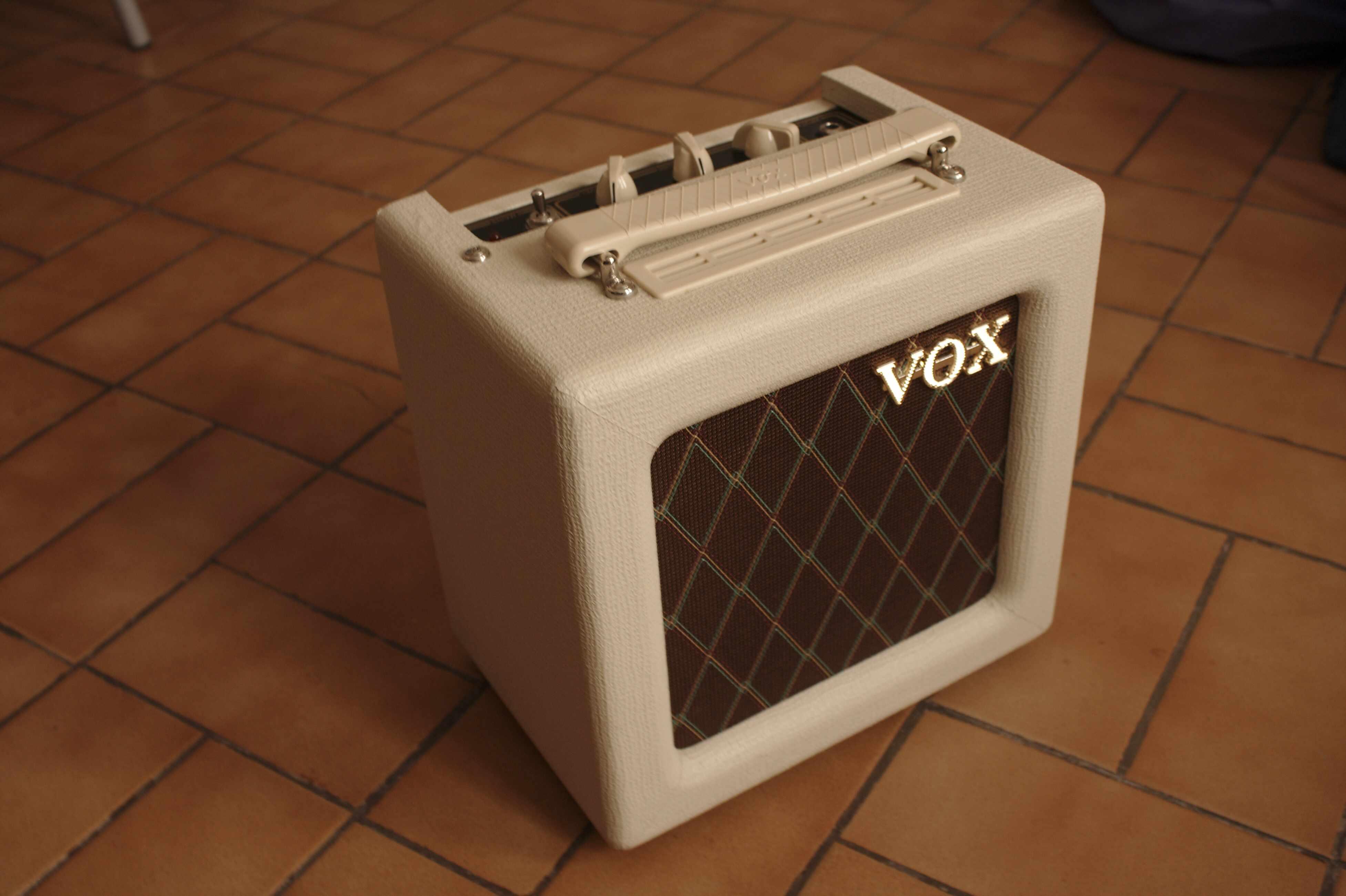 vox ac4tv mini image 585566 audiofanzine. Black Bedroom Furniture Sets. Home Design Ideas