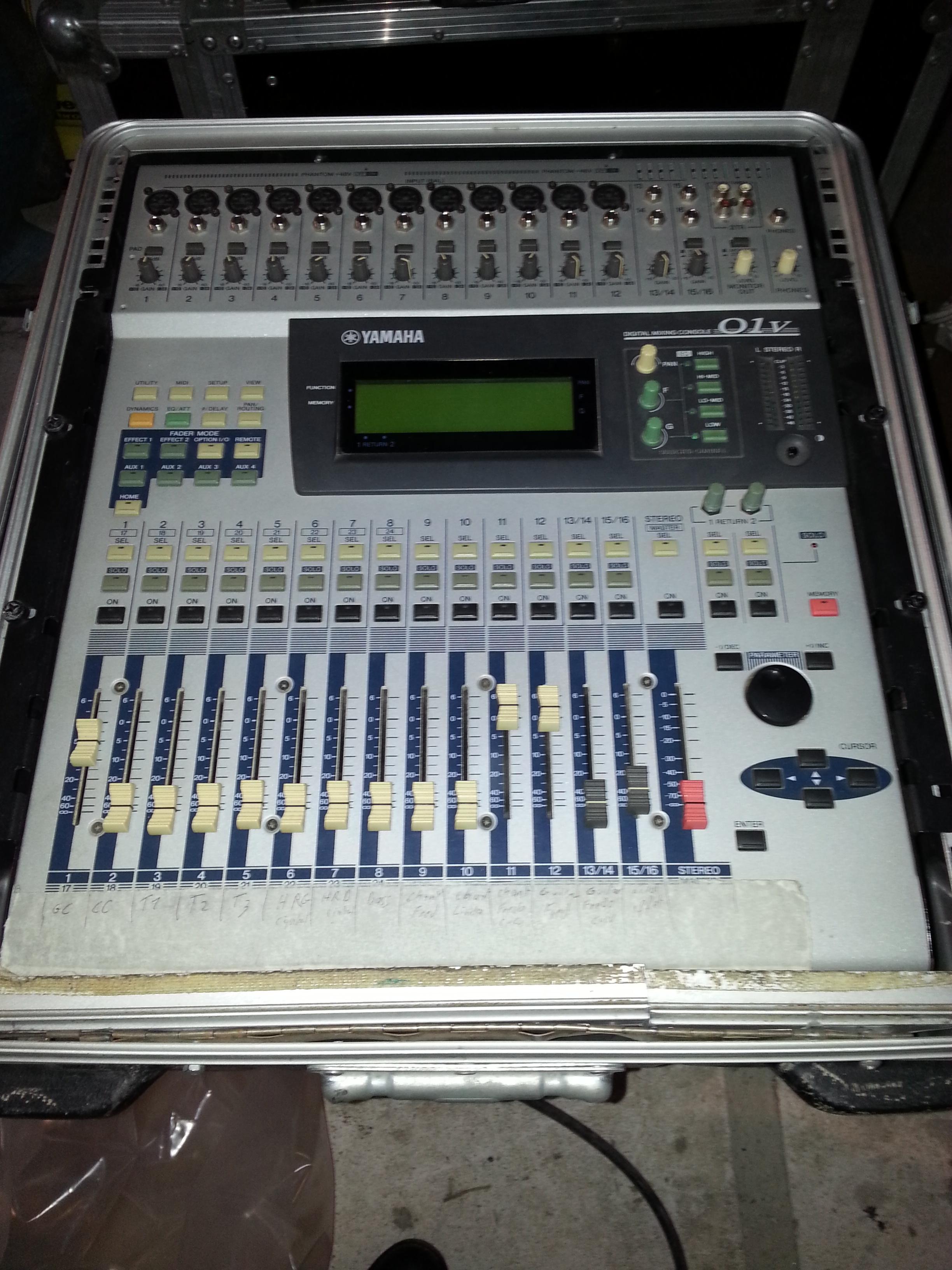 Table de mixage numerique yamaha 01v languedoc roussillon - Table de mixage numerique yamaha ...