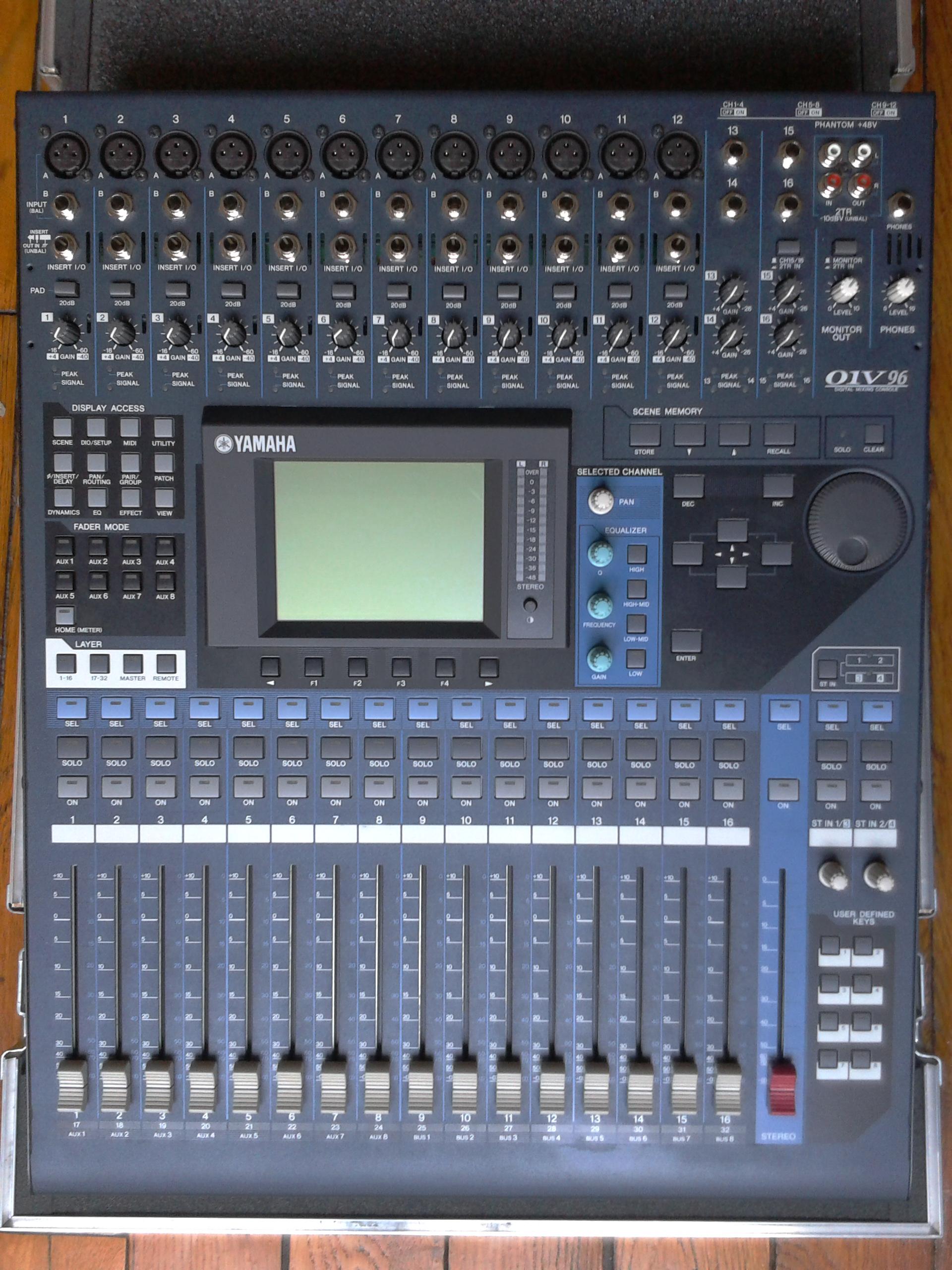 Yamaha 01v96 Vcm Image   705787