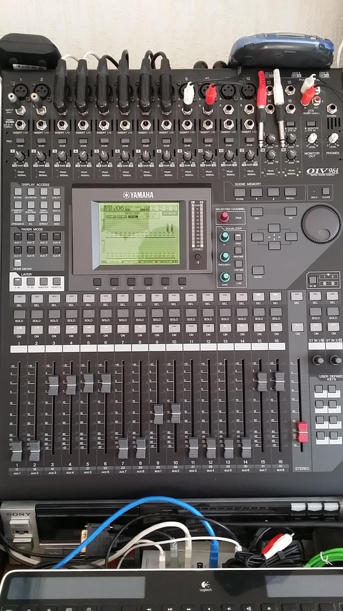 Vend table mixage yamaha 01v96i provence alpes c te d 39 azur audiofanzine for Table yamaha