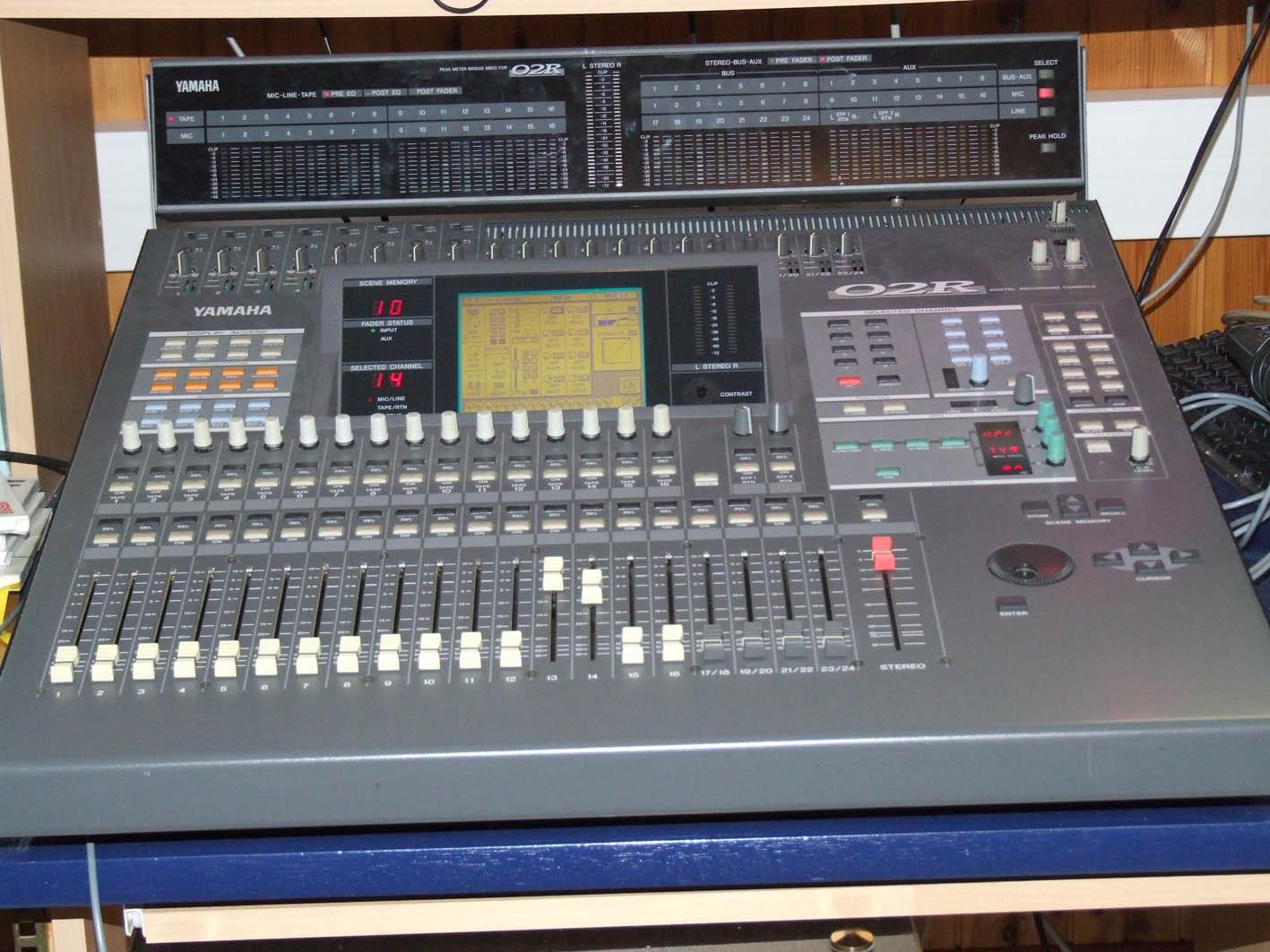 Yamaha 02r V2 Image   454517