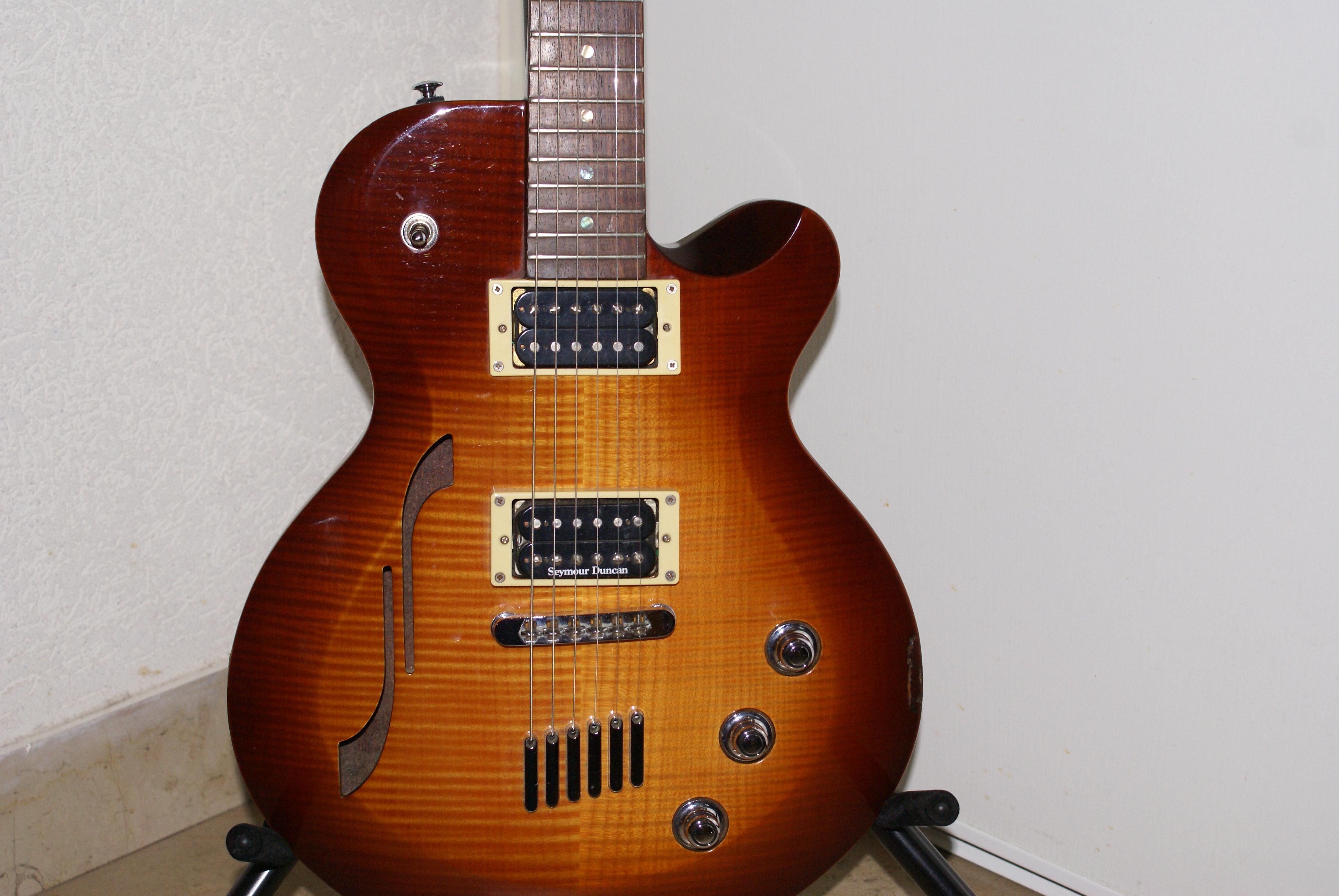 guitare electrique yamaha aes 620