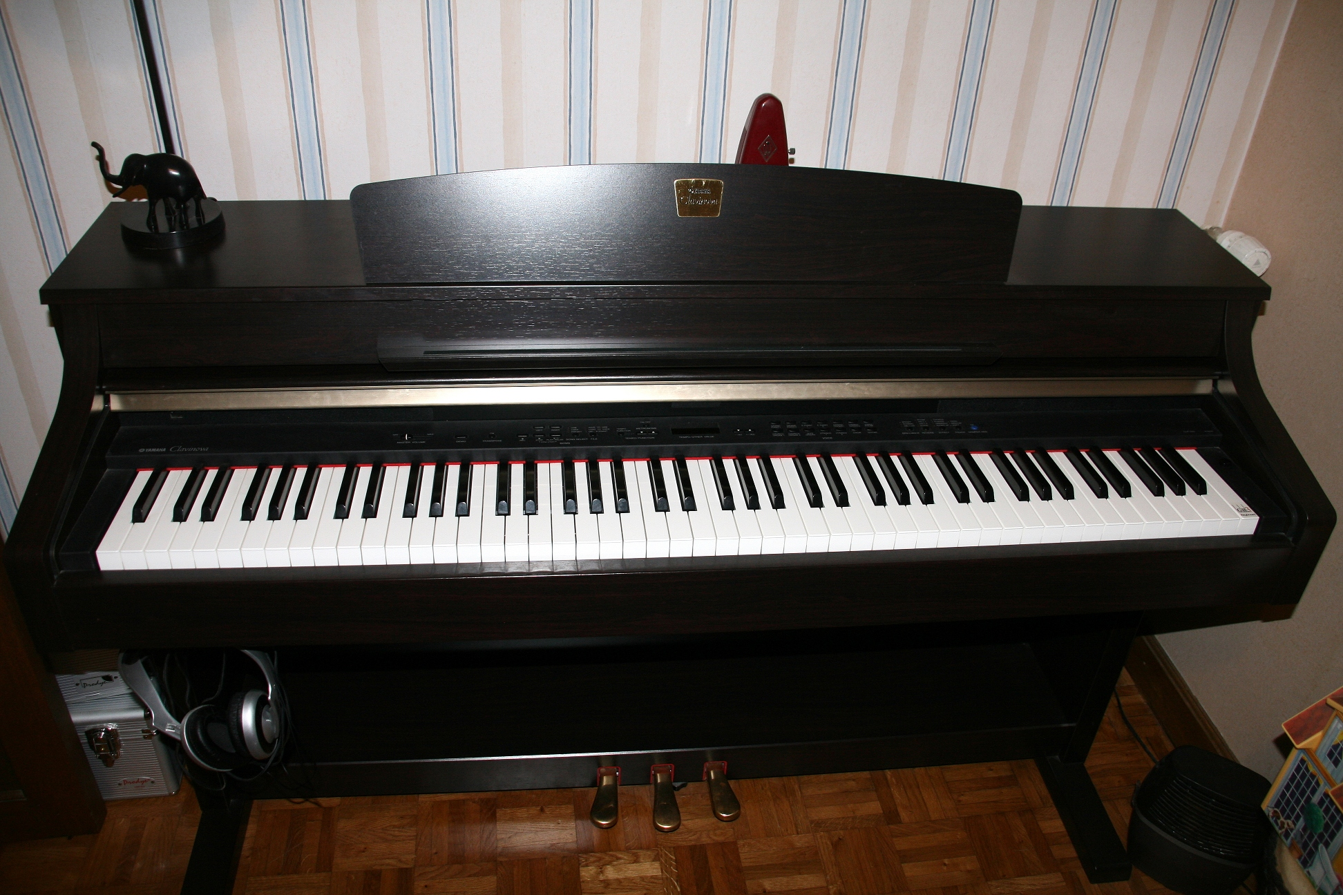 Clp 330 for Yamaha clavinova dealers