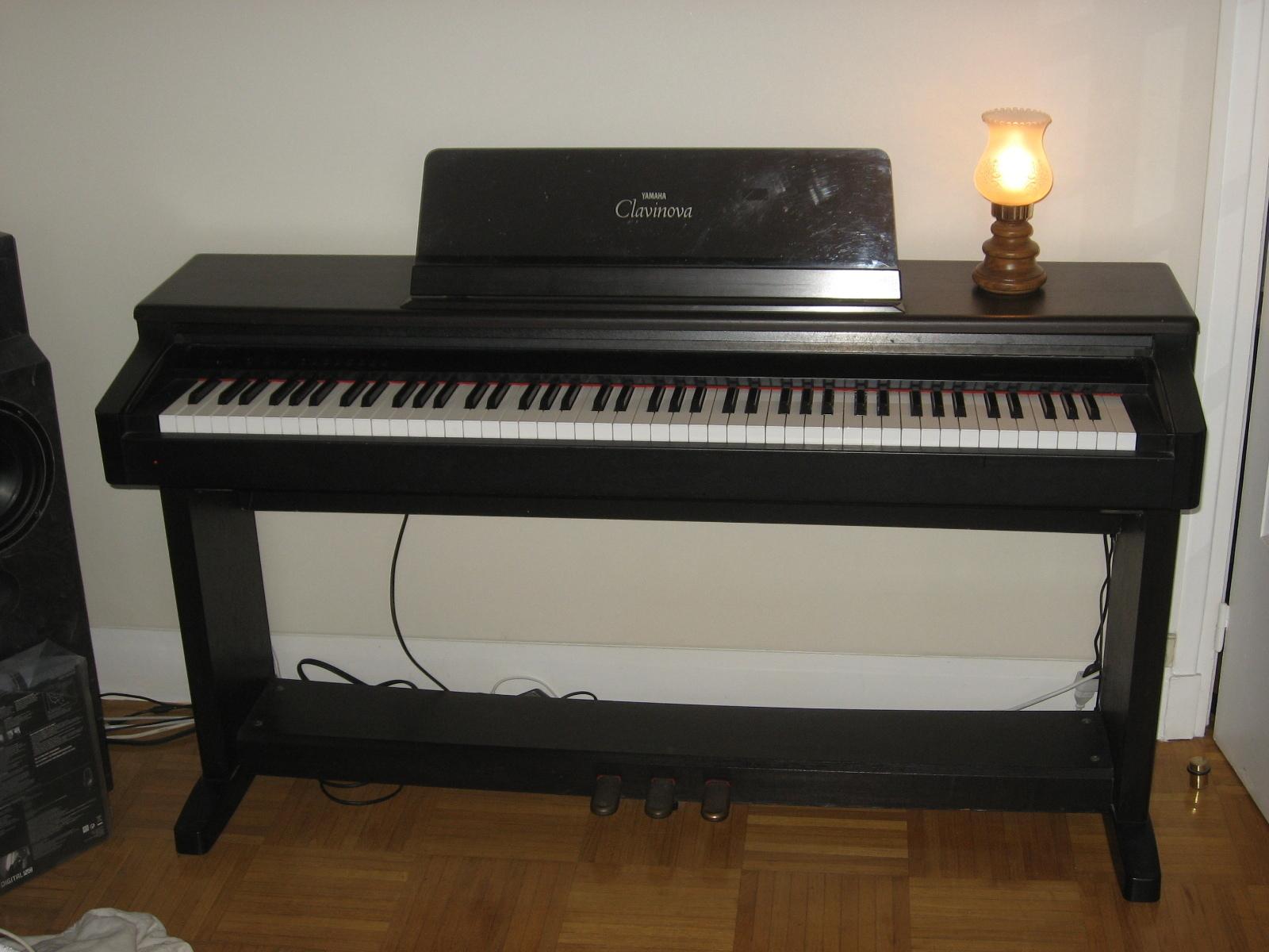 Photo yamaha clp 123 yamaha clavinova clp 123 199472 for Yamaha clavinova clp 500