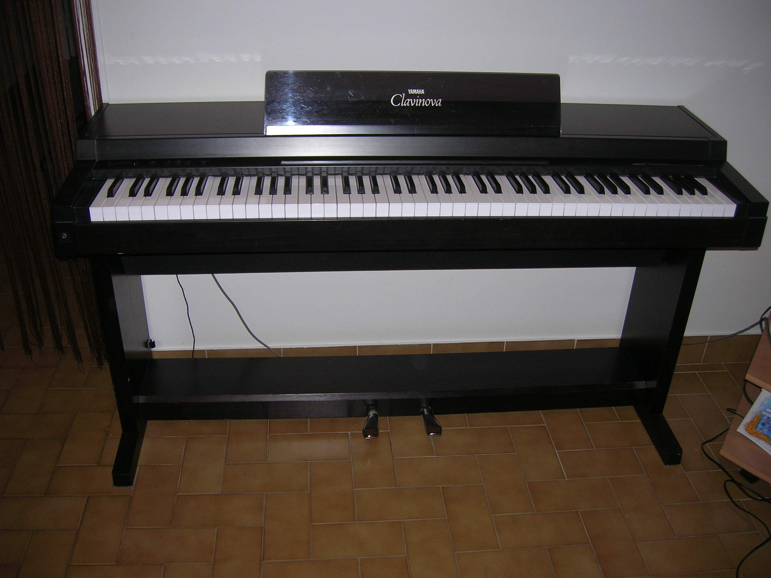 Yamaha clp 150 image 136574 audiofanzine for Yamaha clavinova price list