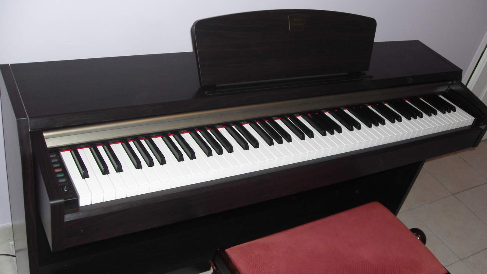 Yamaha clp 220 image 155615 audiofanzine for Yamaha clavinova price