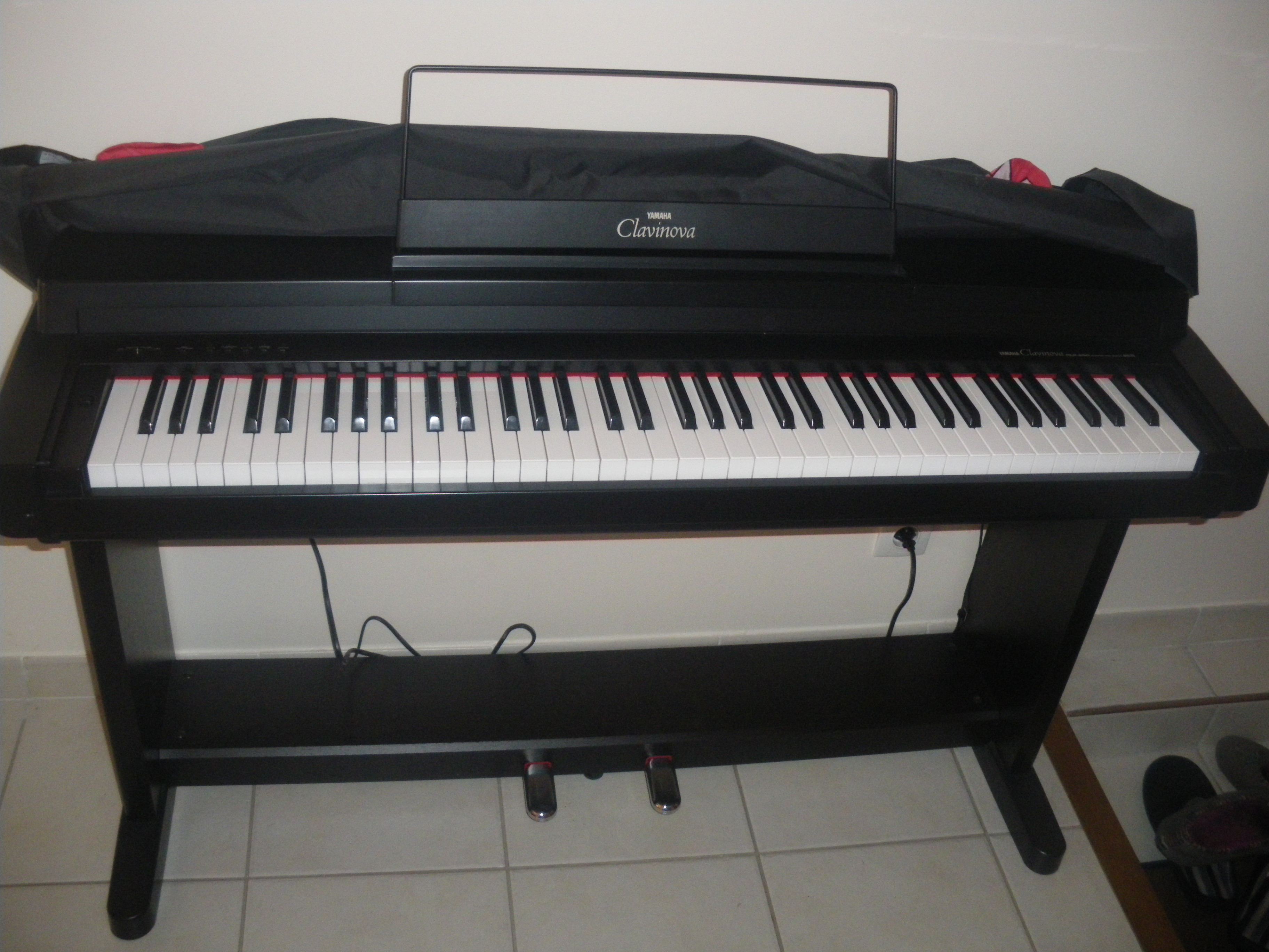 Yamaha clp 260 image 402394 audiofanzine for Yamaha clavinova price list