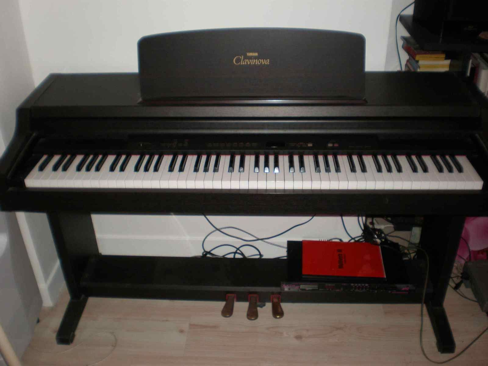 Yamaha clp 411 image 217417 audiofanzine for Yamaha clavinova price list