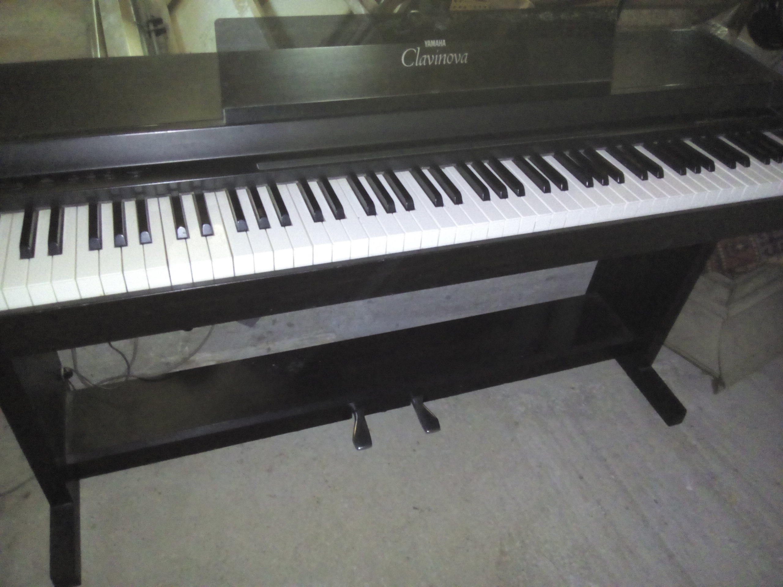 vend piano l ctrique yamaha clavinova clp 50 bourgogne. Black Bedroom Furniture Sets. Home Design Ideas