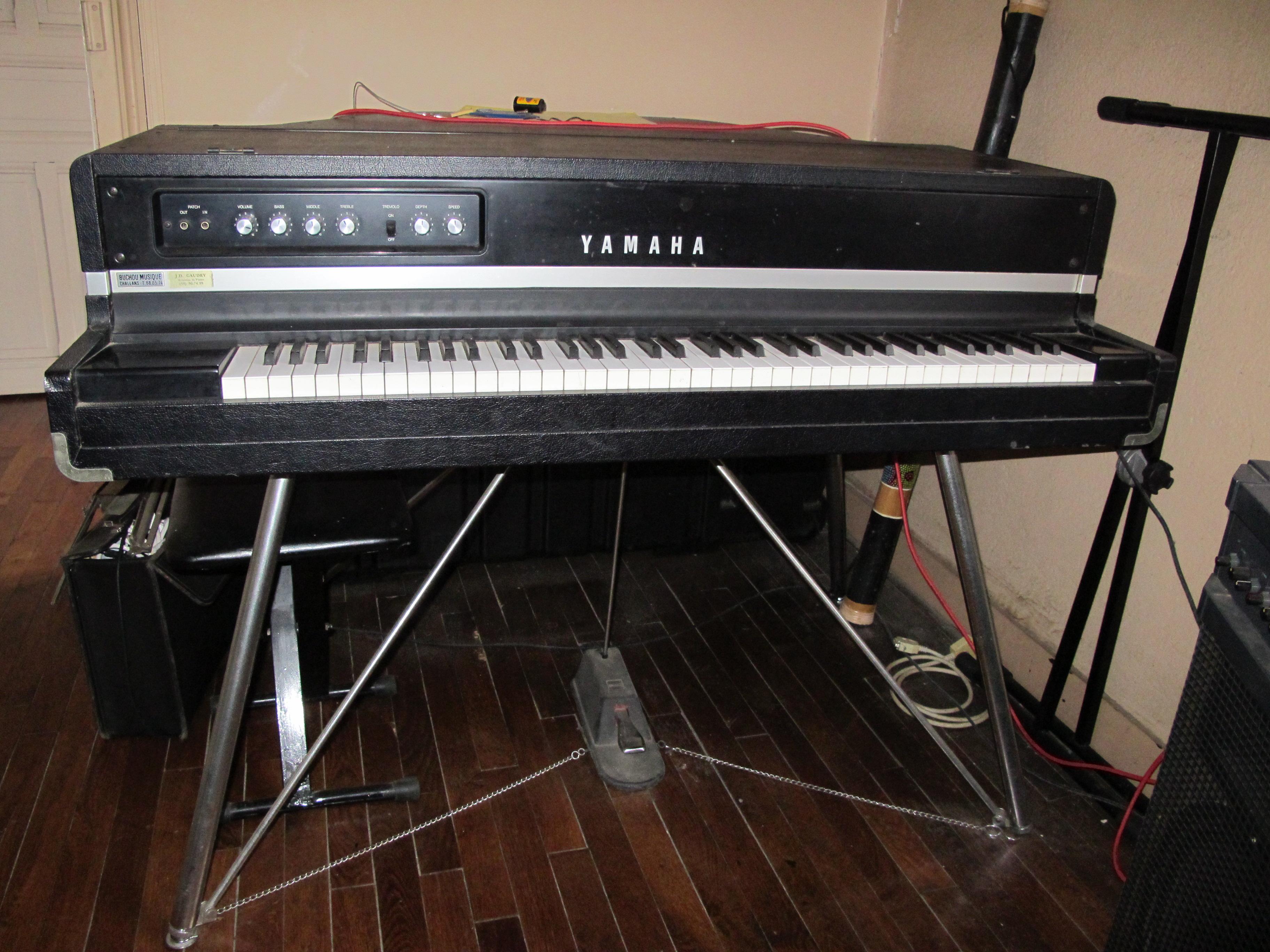 Yamaha M Piano Weight