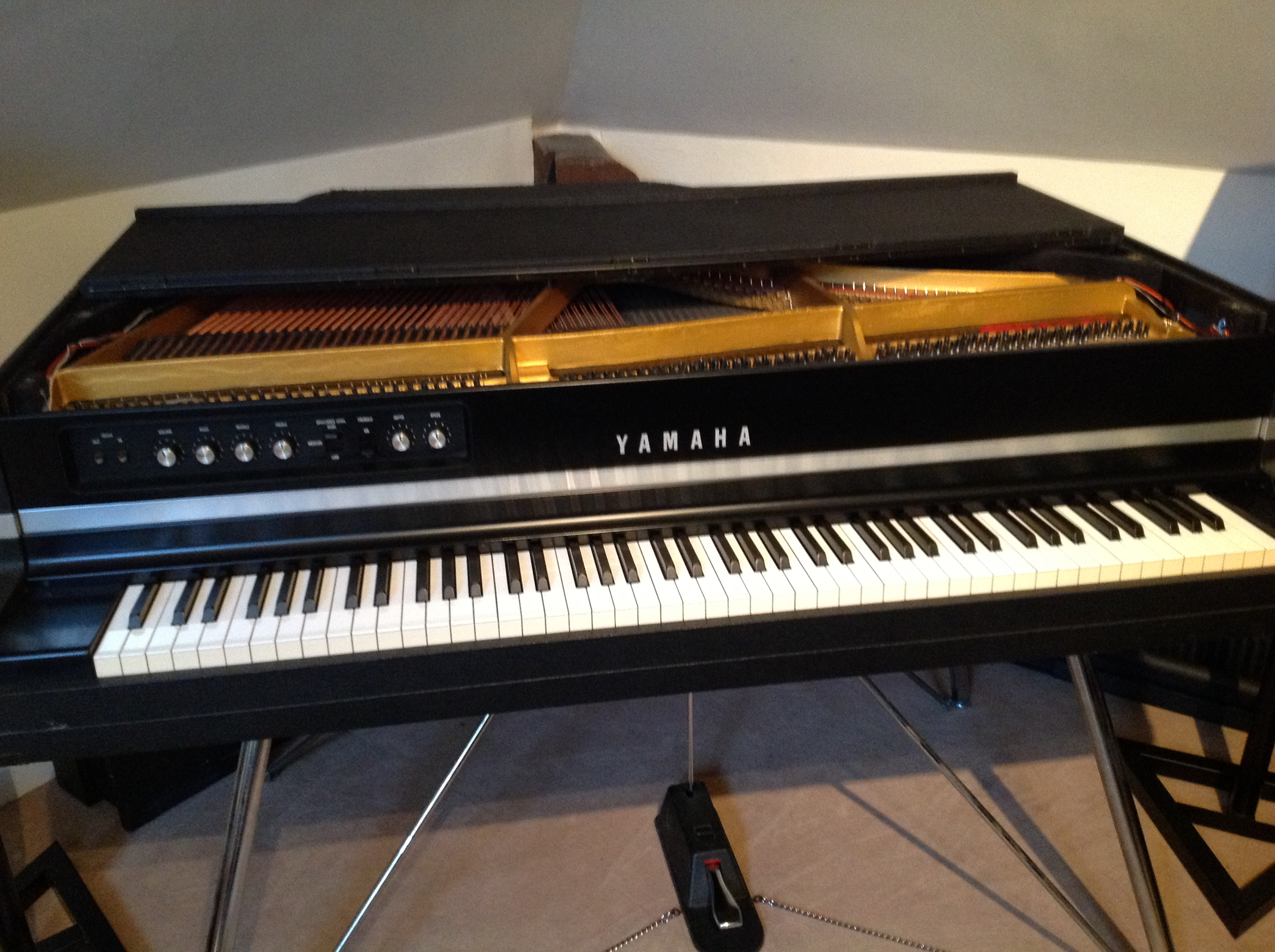 yamaha cp 80 image 610609 audiofanzine rh en audiofanzine com Yamaha Electric Keyboard Yamaha Electric Grand Piano