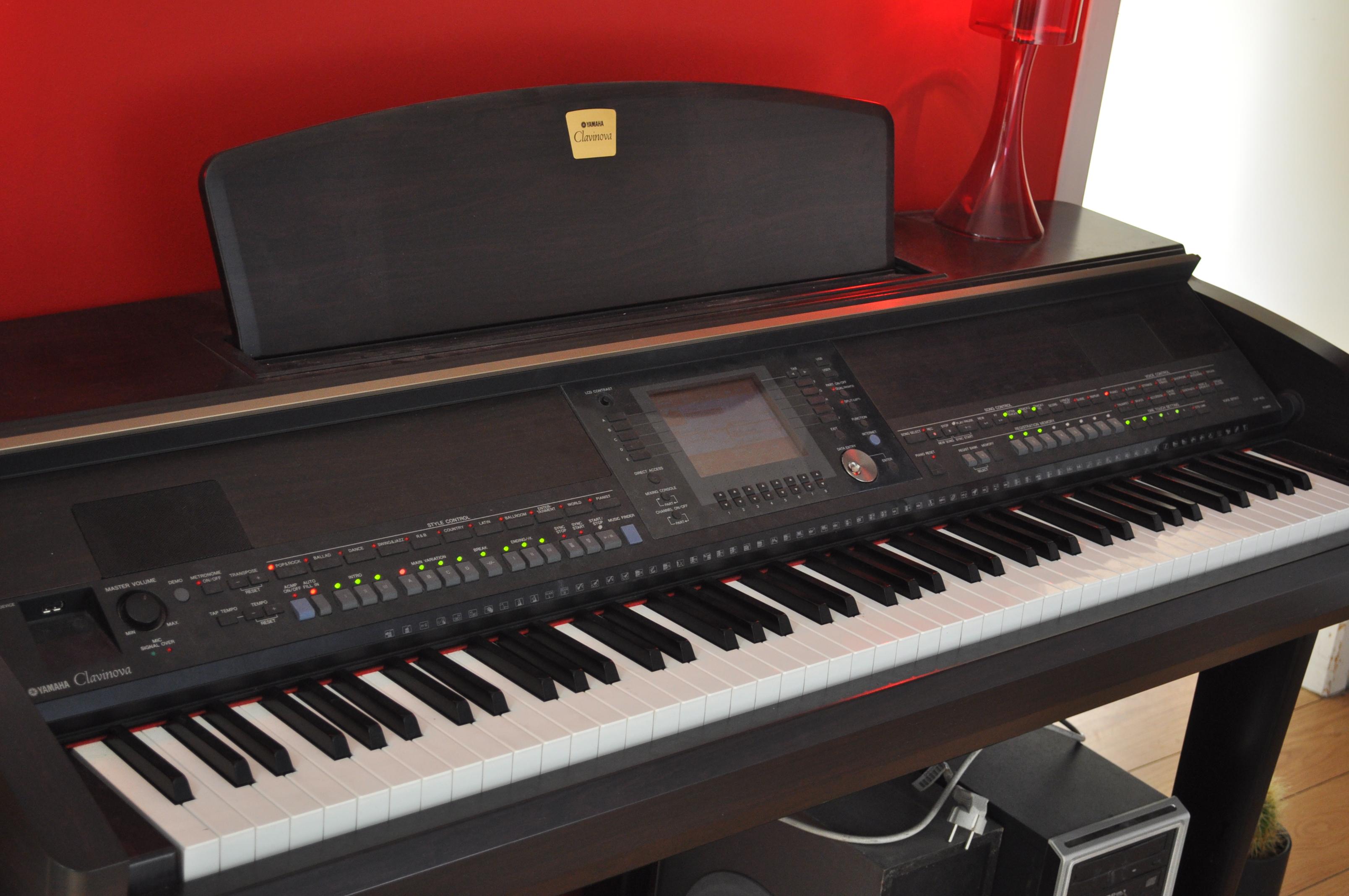 Offre Piano yamaha Clavinova clp 990 occasion 2