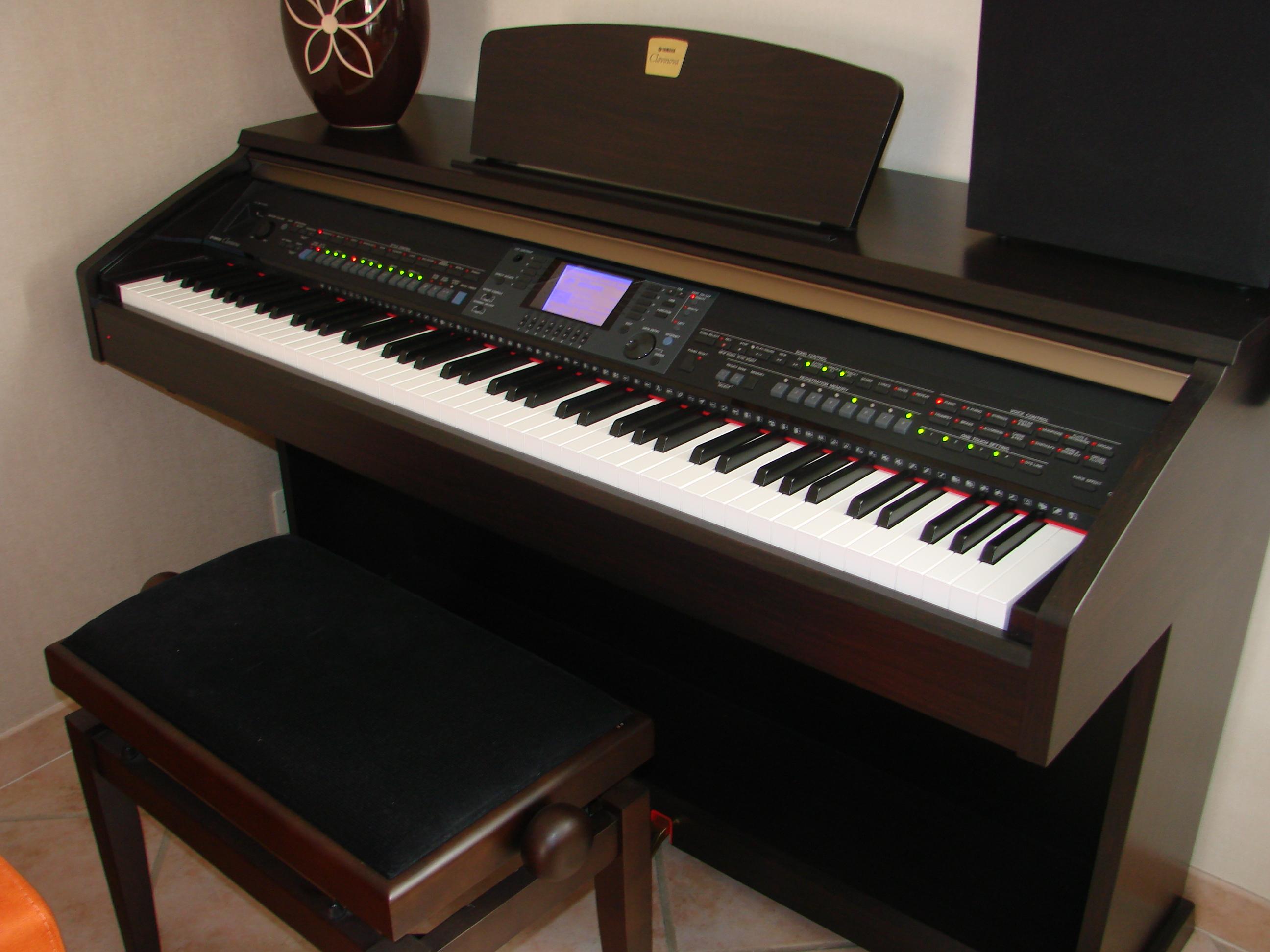 Photo yamaha cvp 501 yamaha cvp 501 bois de rose for Yamaha m1 piano