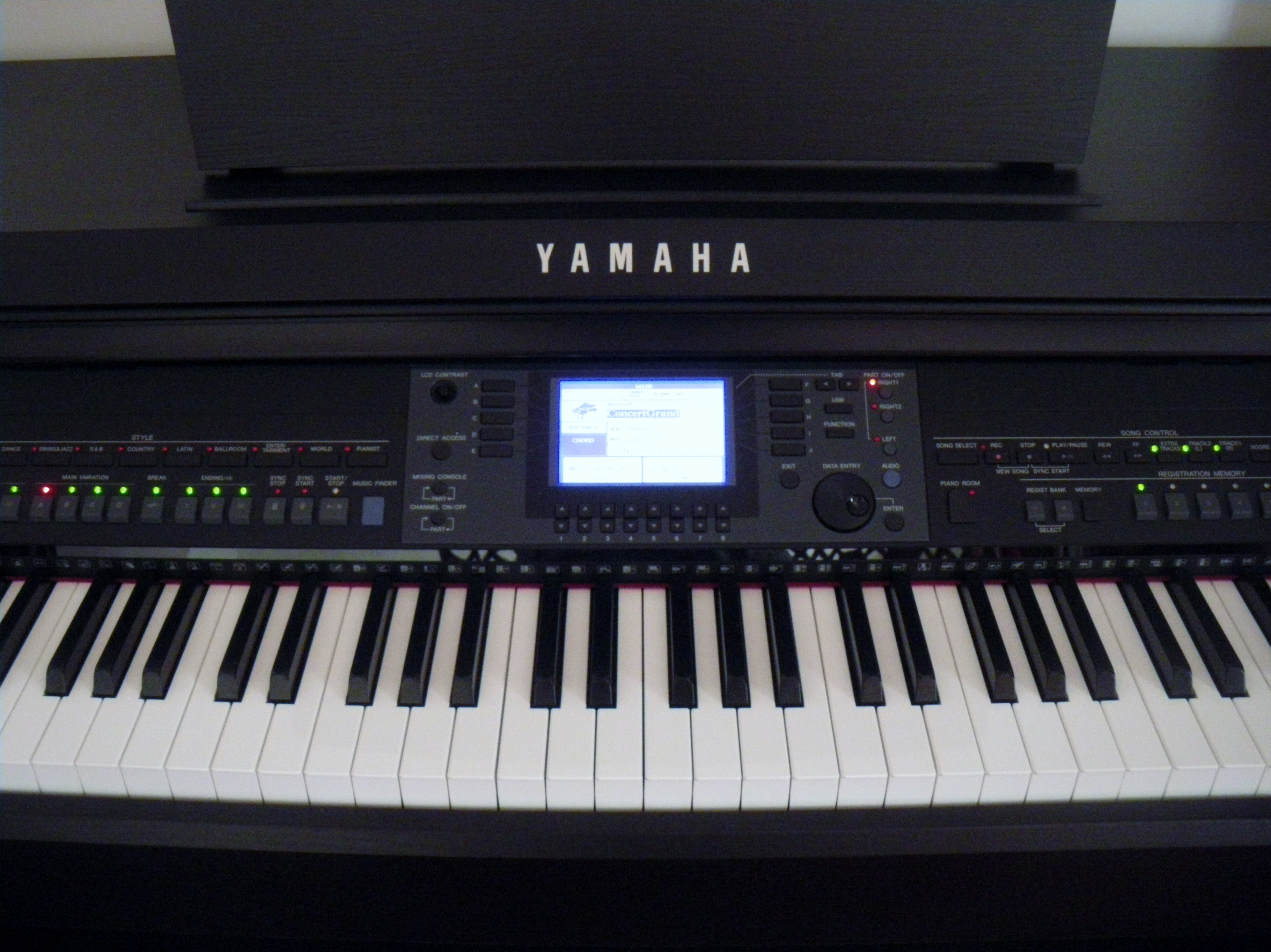 Yamaha cvp 601 image 1134410 audiofanzine for Yamaha clavinova price list