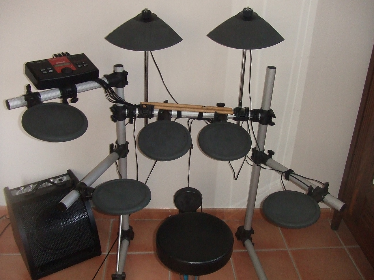yamaha dtxplorer image 702148 audiofanzine rh en audiofanzine com Yamaha Explorer Electronic Drums Yamaha Explorer Electronic Drums