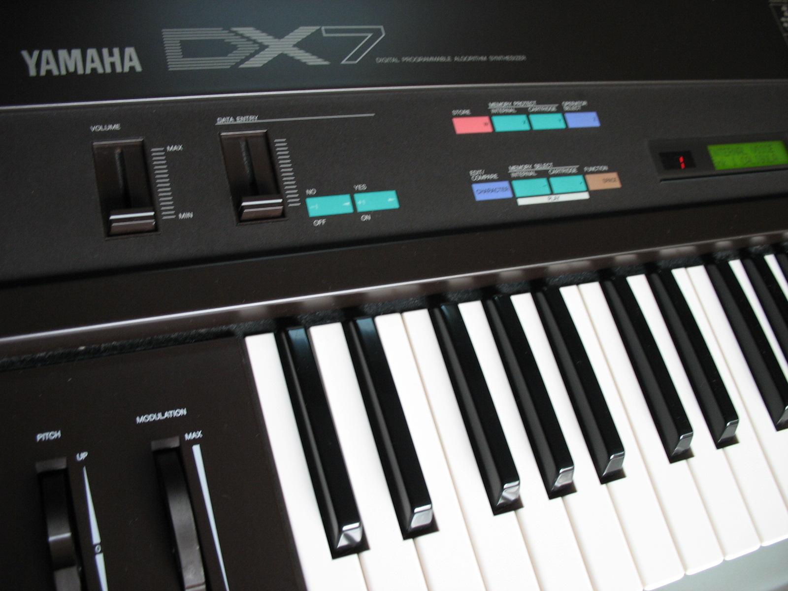 Yamaha Dx7 Image   402494