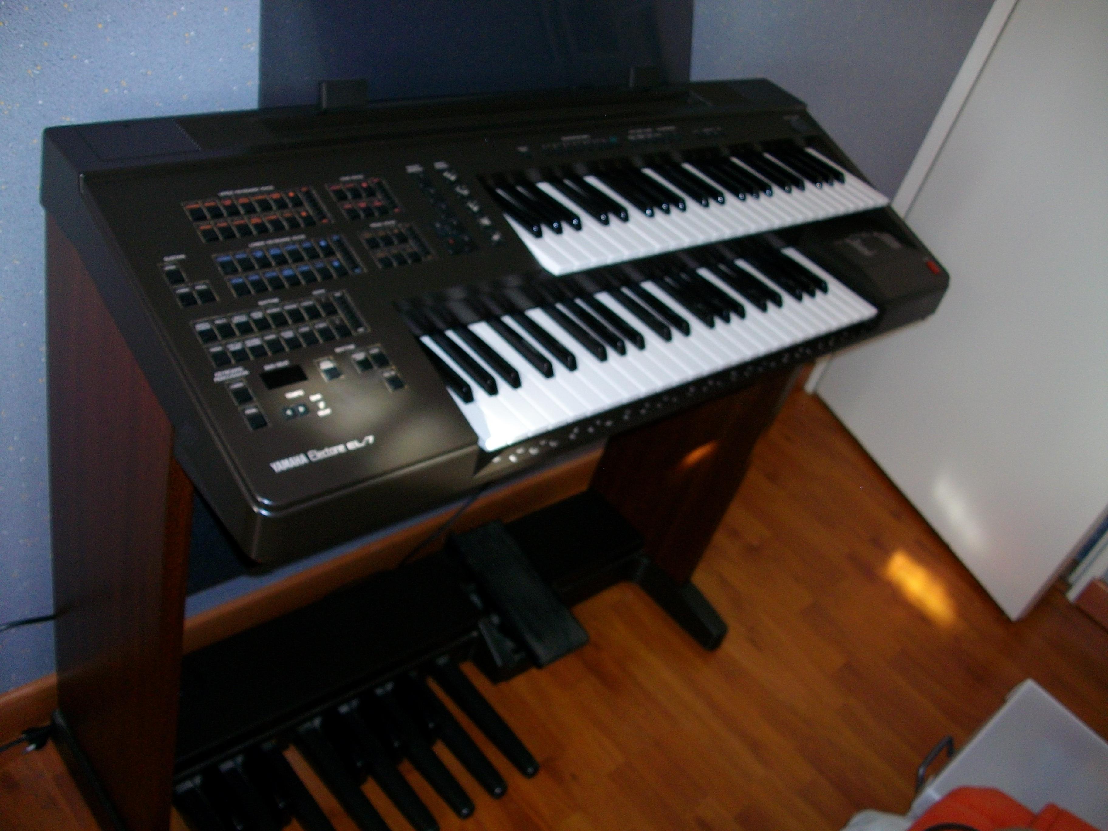 Yamaha Piano Model E