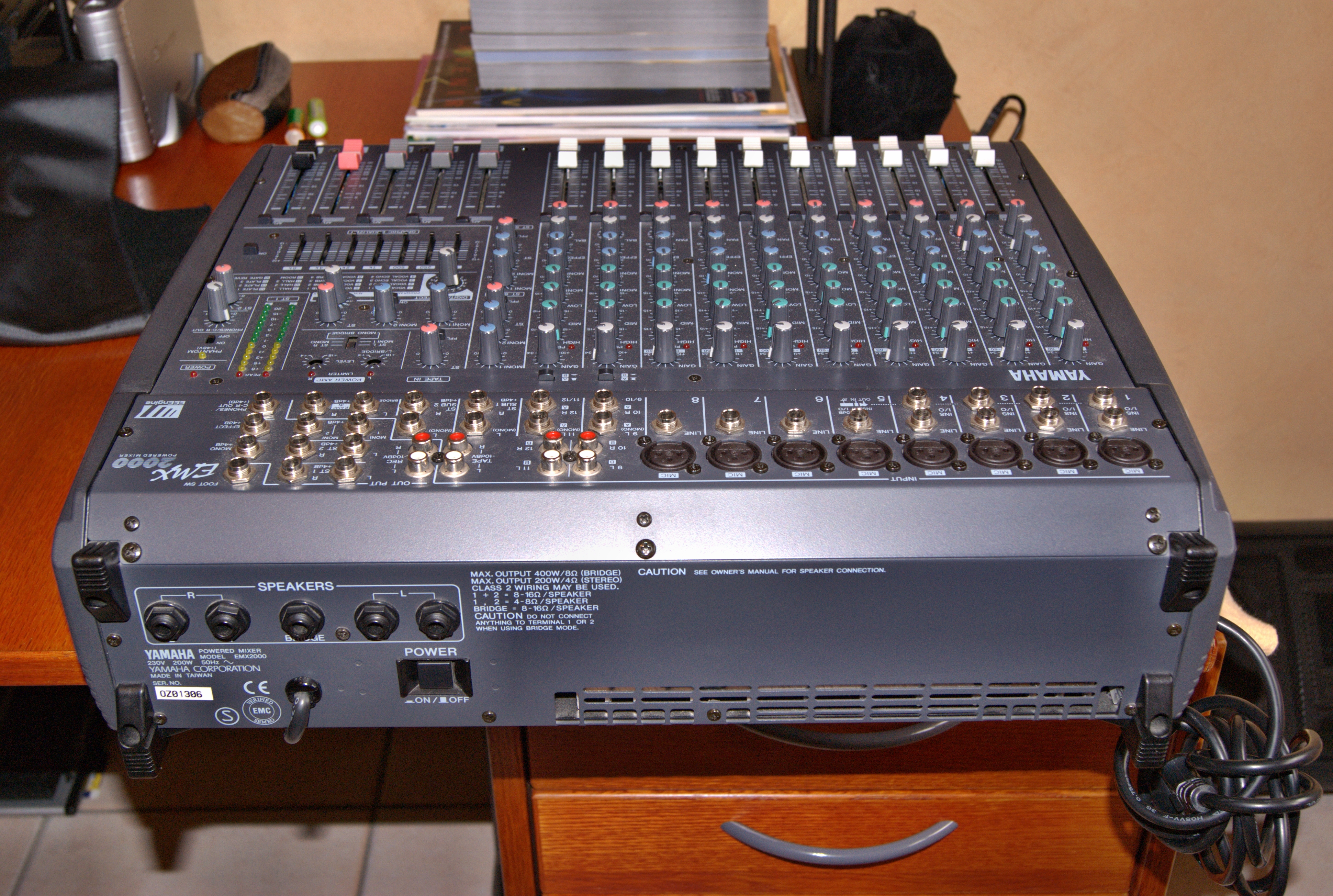 Photo yamaha emx2000 12 yamaha emx2000 12 28621 284480 audiofanzine - Console de mixage amplifiee ...