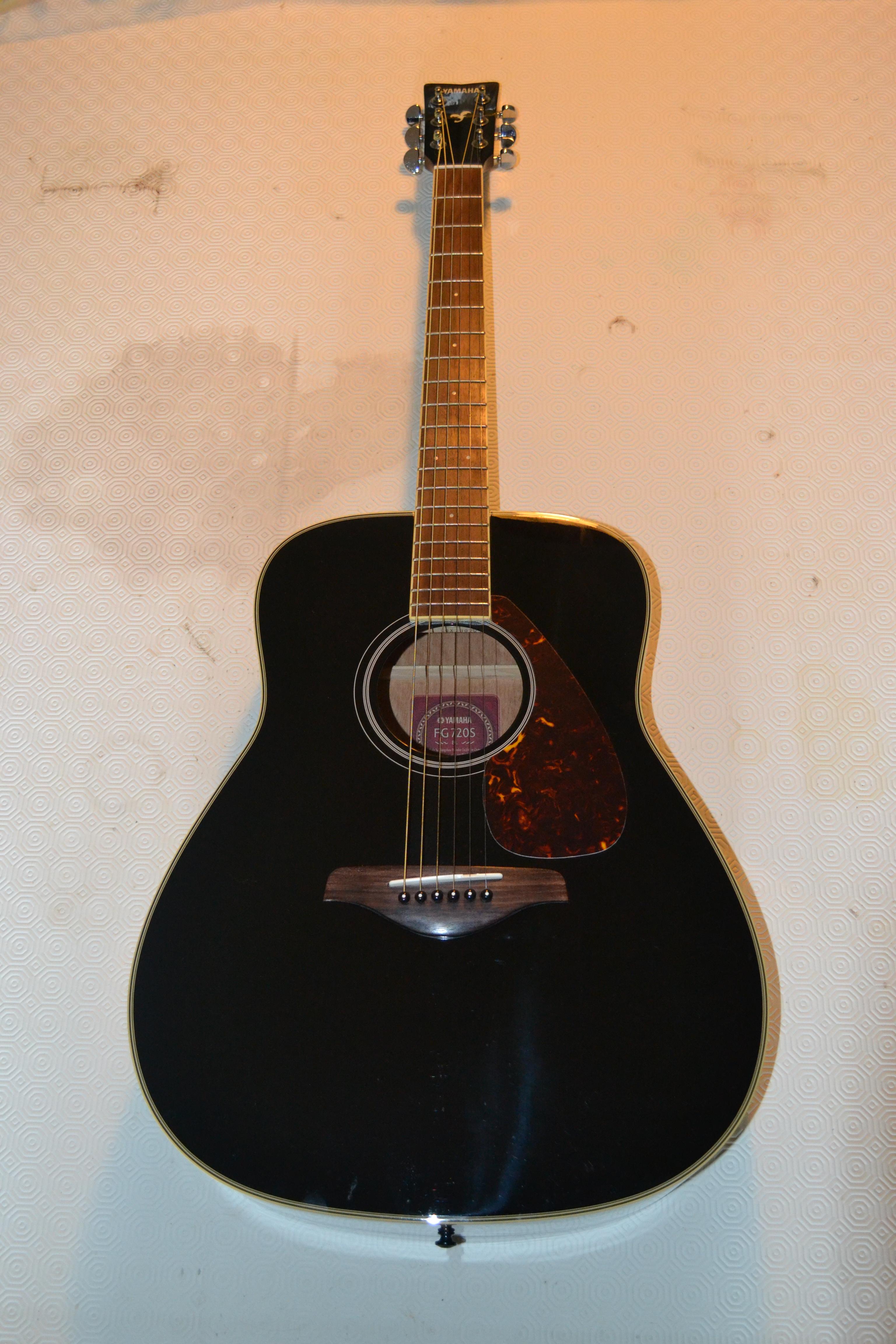 guitare f370