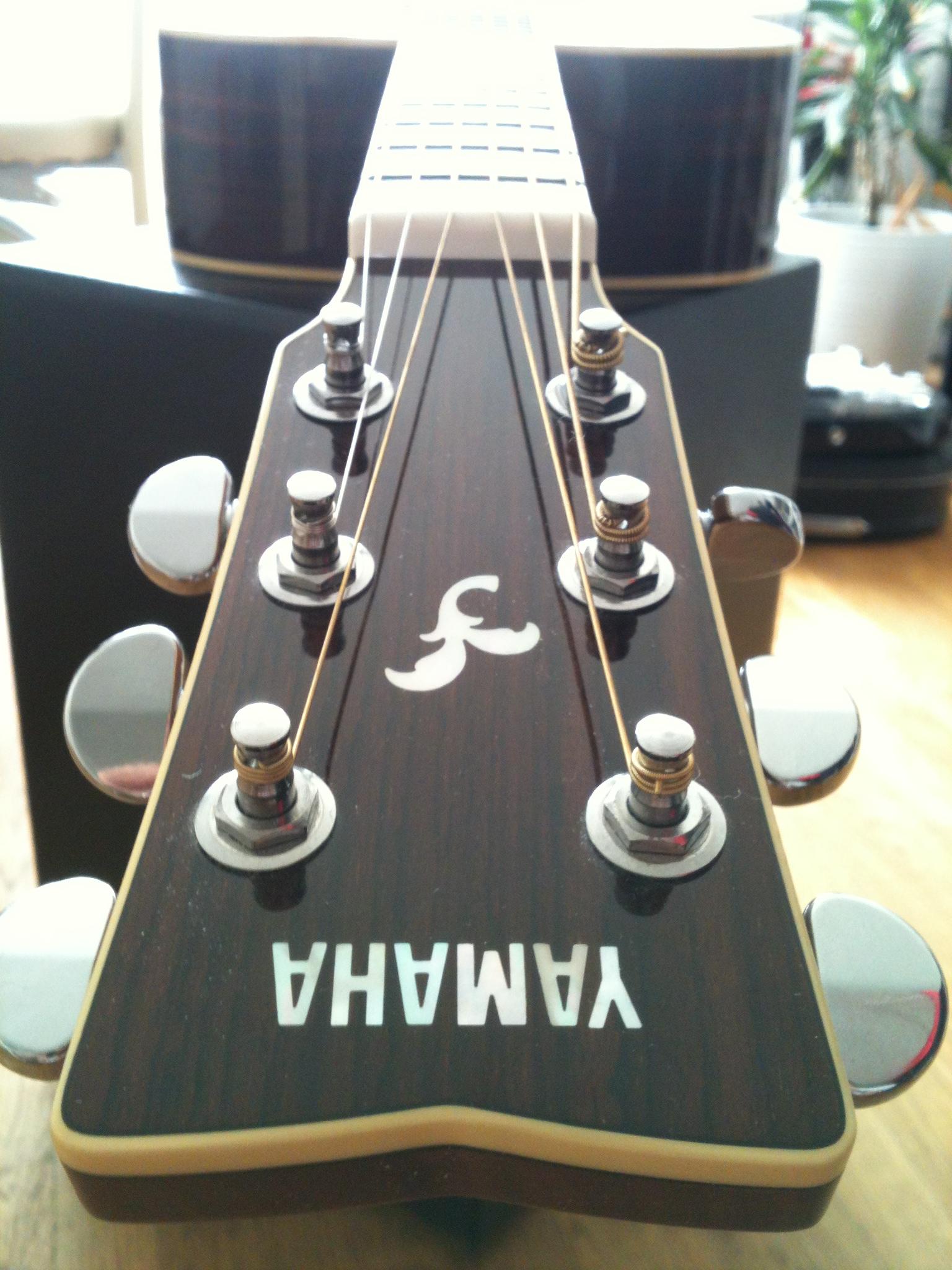 Yamaha FG730s 2