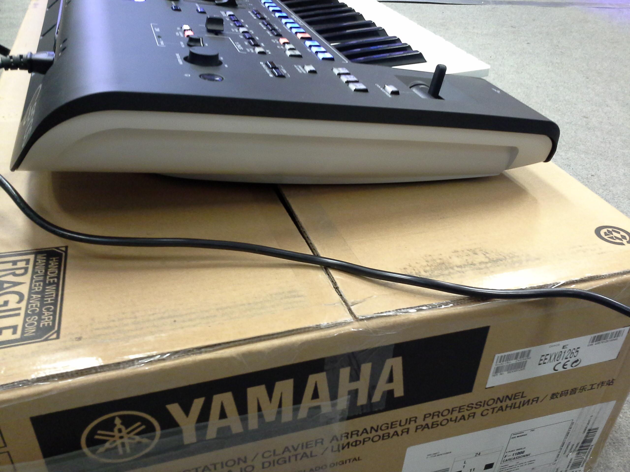 photo yamaha genos genos5 2080461 audiofanzine. Black Bedroom Furniture Sets. Home Design Ideas