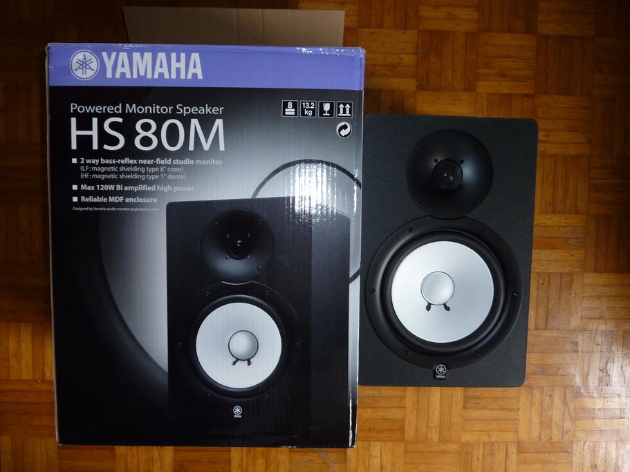 photo yamaha hs80m yamaha hs series hs80m 409651. Black Bedroom Furniture Sets. Home Design Ideas
