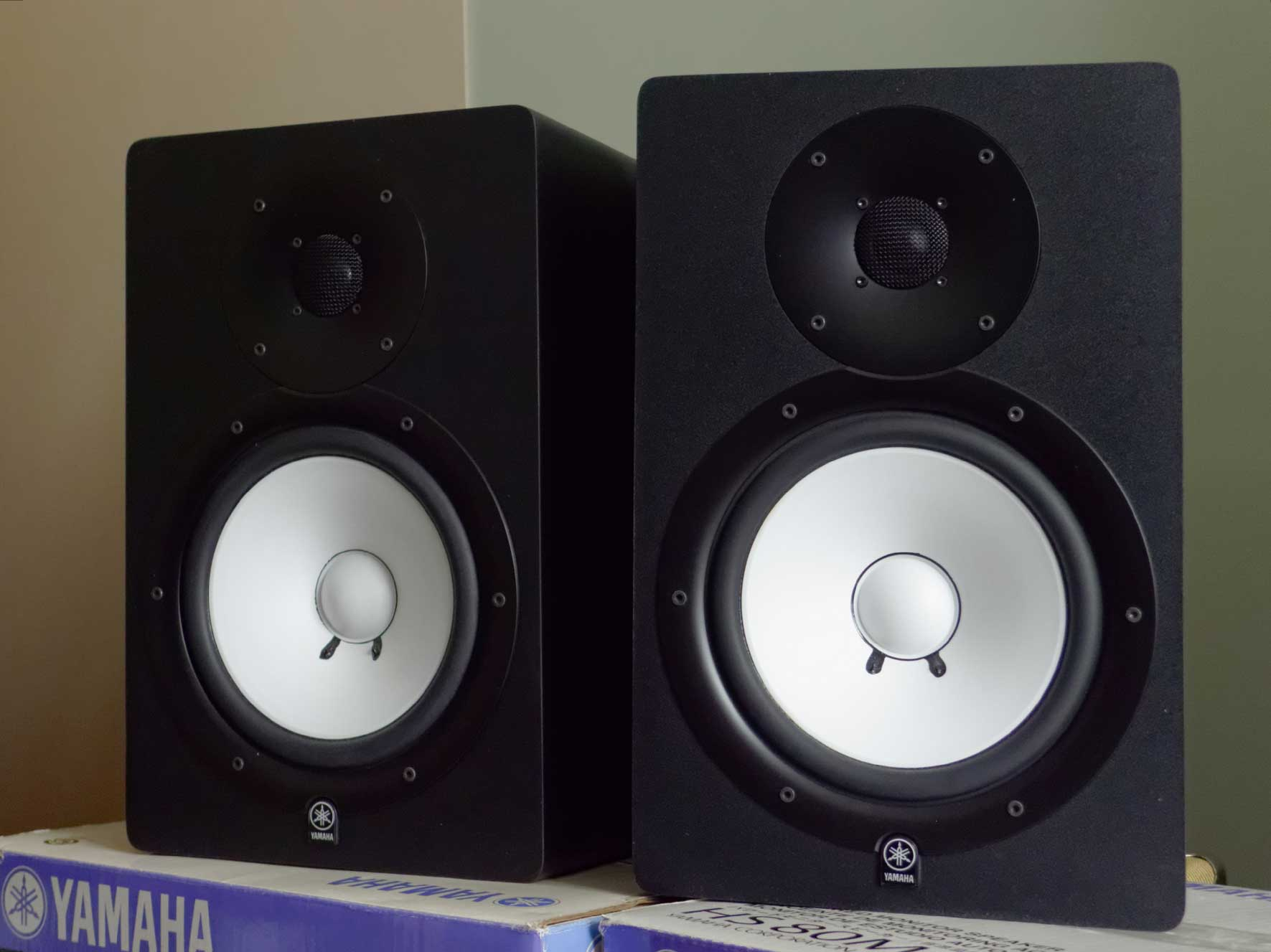 Studio Monitors Yamaha Hs