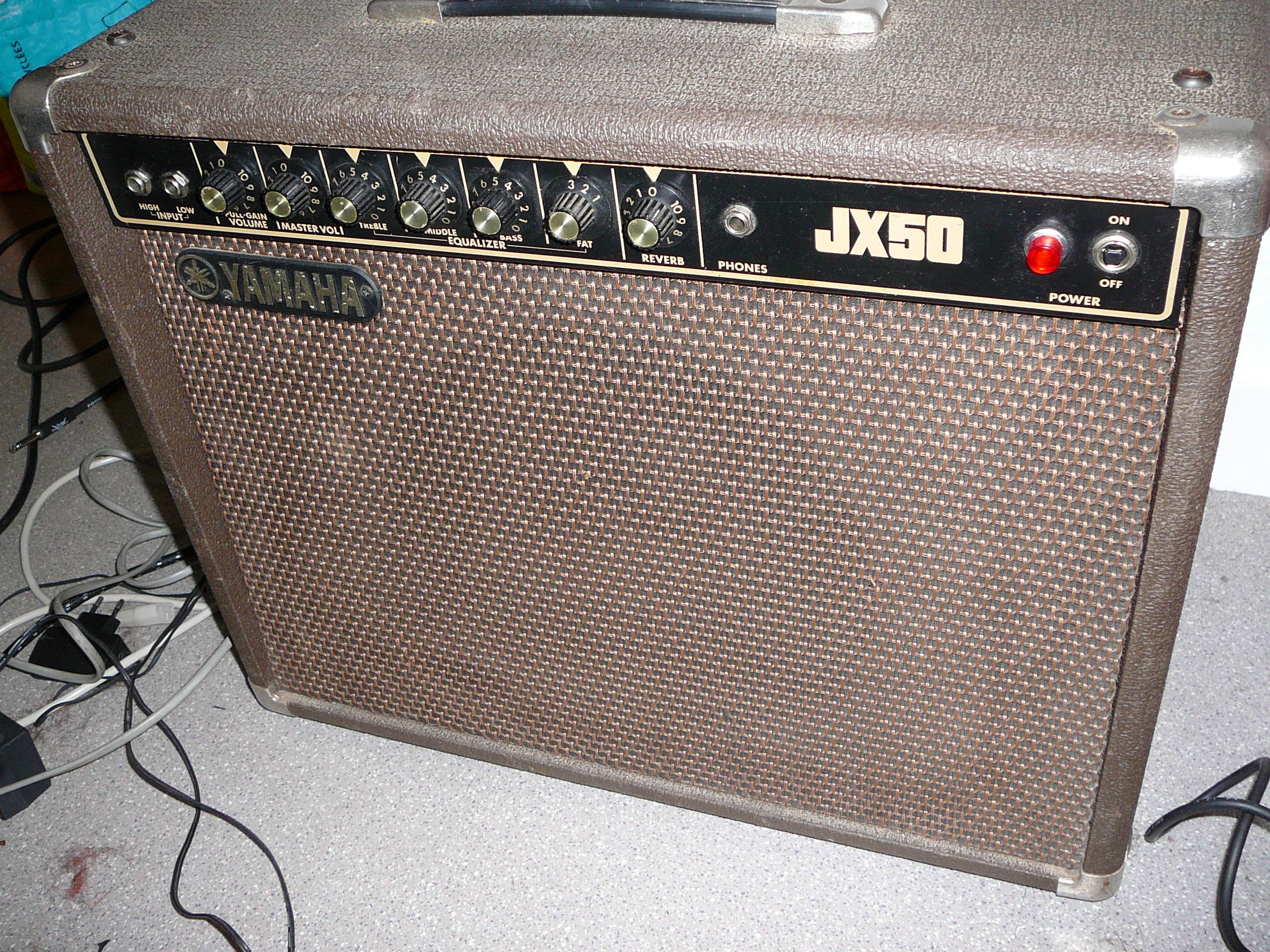 ampli guitare yamaha jx50 r vis vintage d but ann es 80. Black Bedroom Furniture Sets. Home Design Ideas