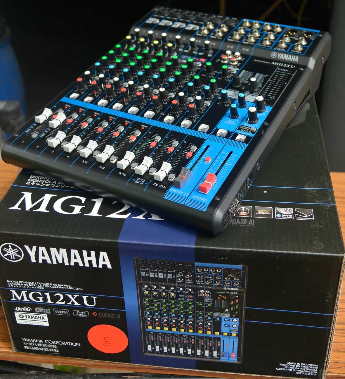 Photo yamaha mg12xu table mixage 01web 1439905 audiofanzine - Table de mixage yamaha usb ...
