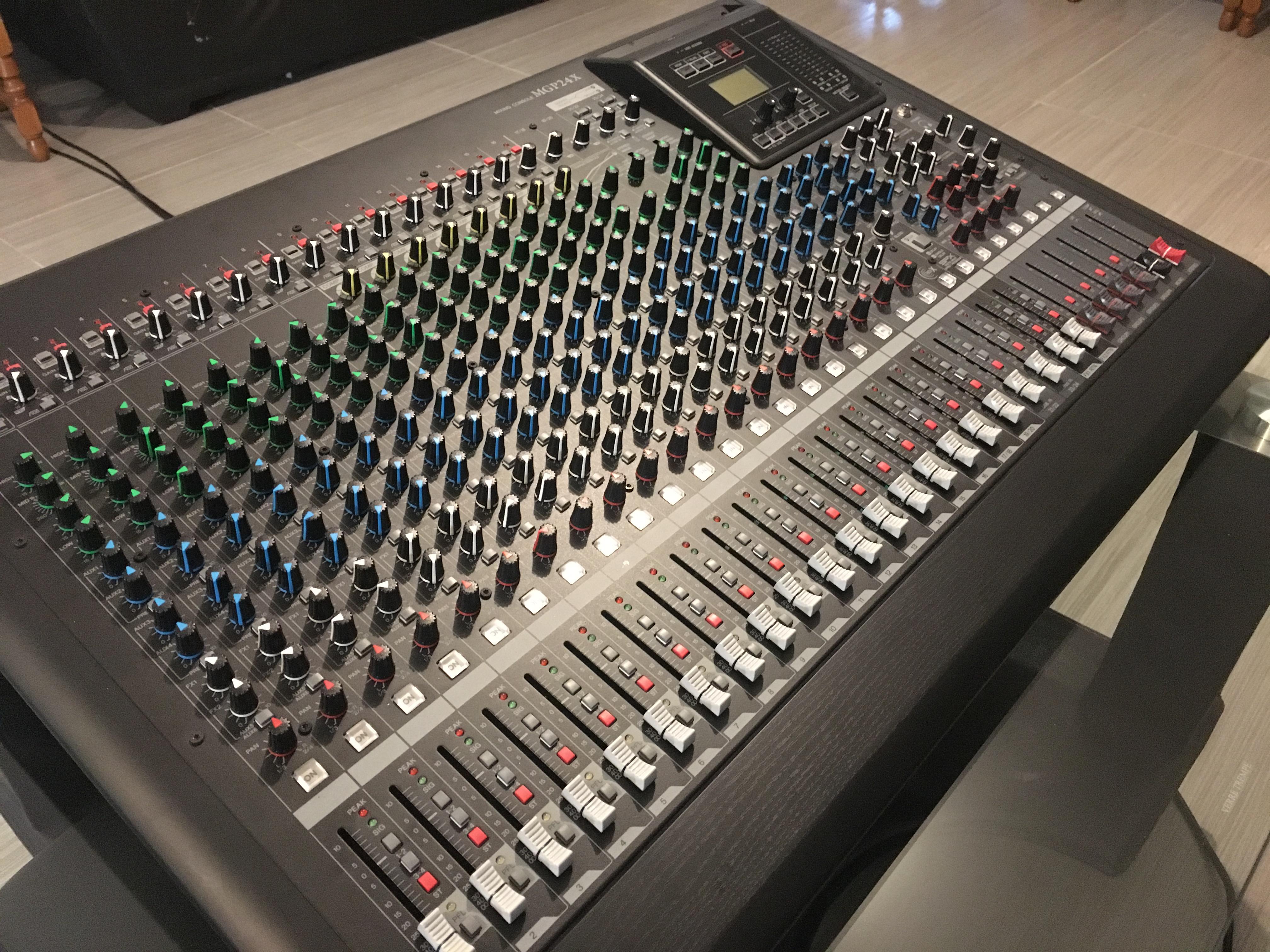Yamaha mgp24x image 2006985 audiofanzine for Yamaha mgp24x 24