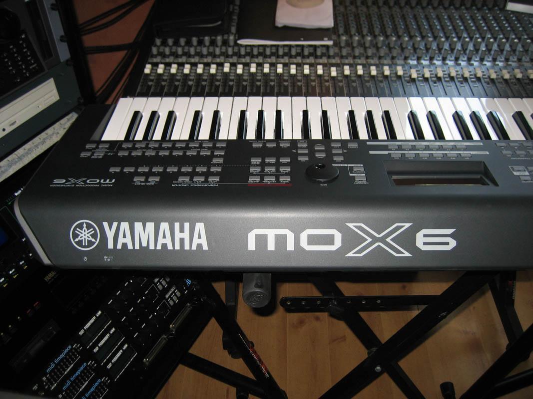 test du yamaha mox6 tout d un grand audiofanzine. Black Bedroom Furniture Sets. Home Design Ideas