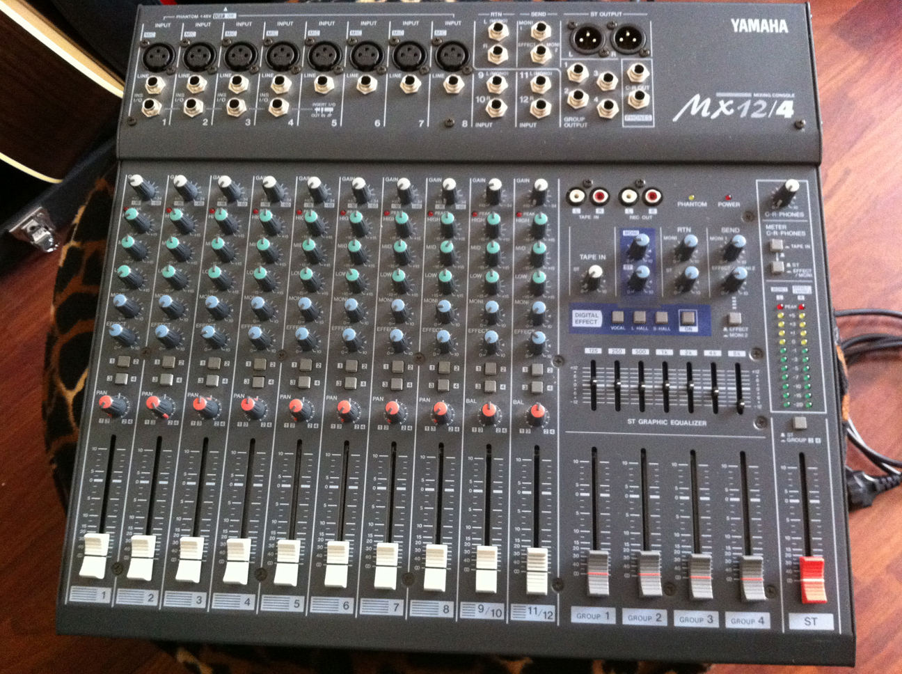 yamaha mx12 4 image 361281 audiofanzine