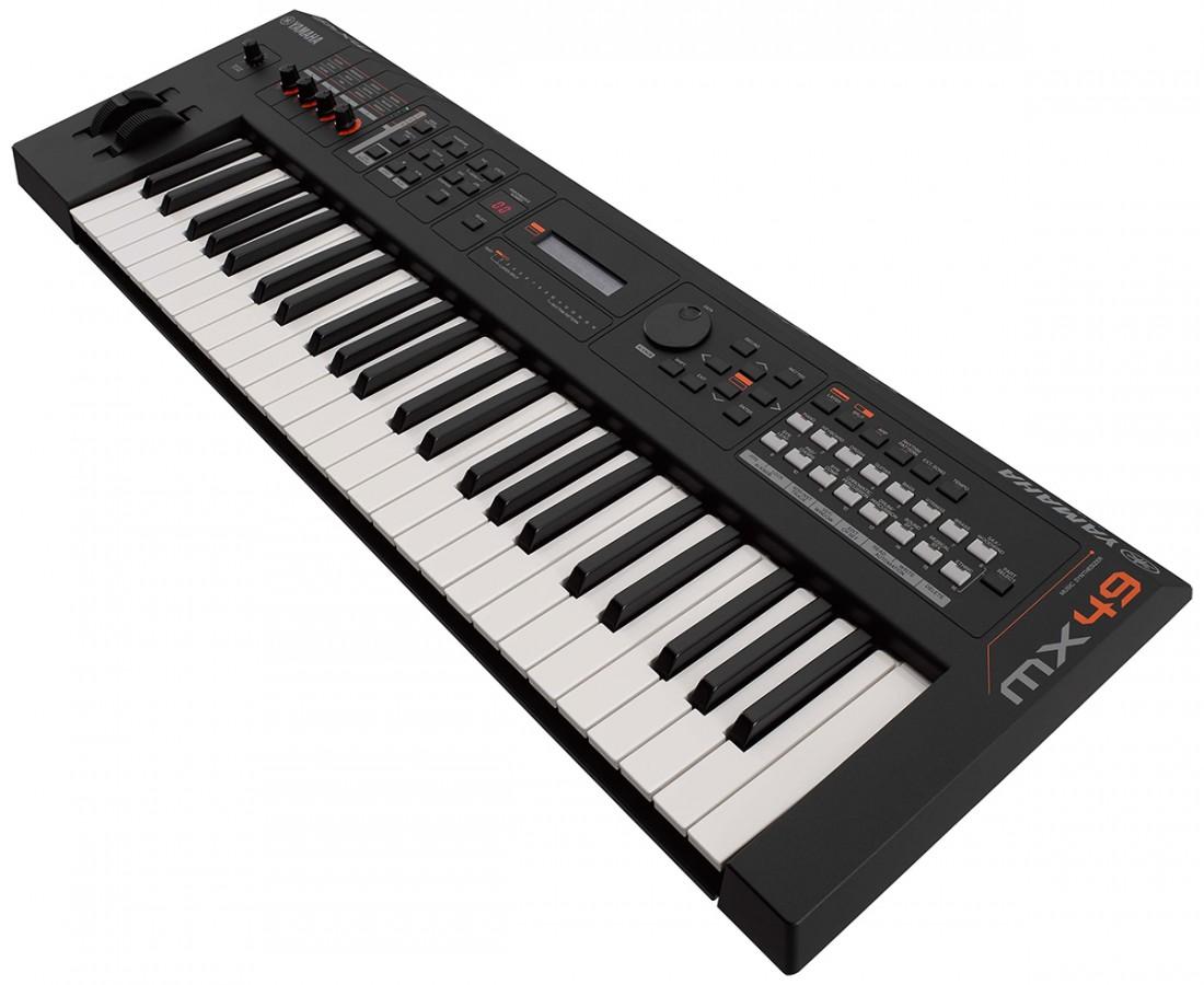 Synthetiseur yamaha mx49ii avec housse de clavier mx49 et for Housse clavier yamaha