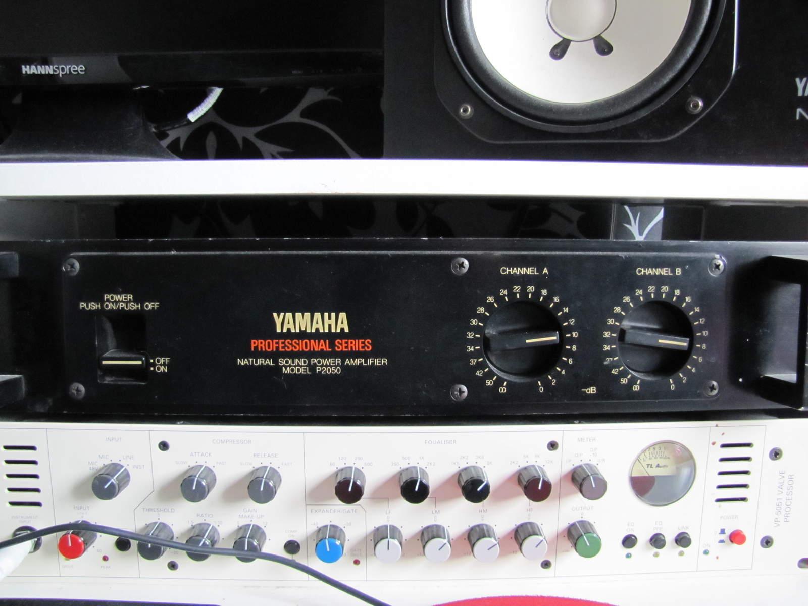 yamaha ns 10m studio image 168633 audiofanzine. Black Bedroom Furniture Sets. Home Design Ideas