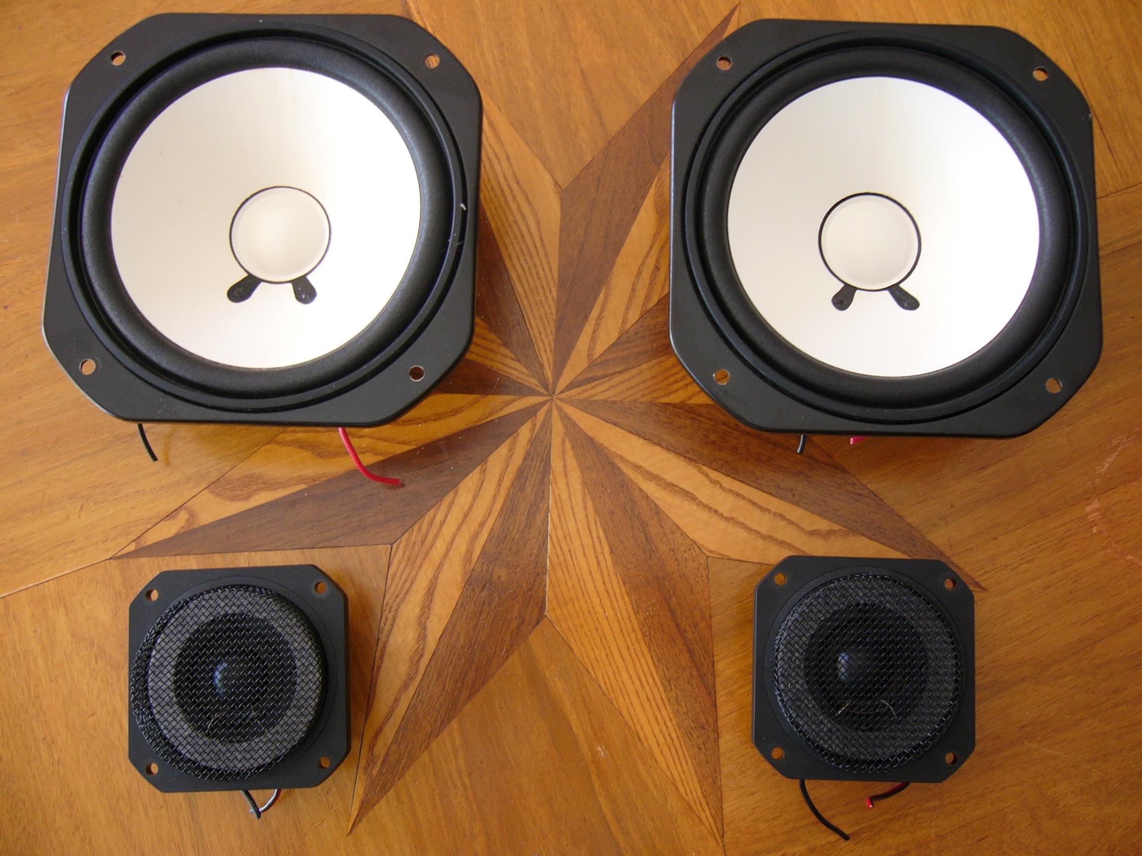 yamaha ns 10m studio image 256176 audiofanzine. Black Bedroom Furniture Sets. Home Design Ideas