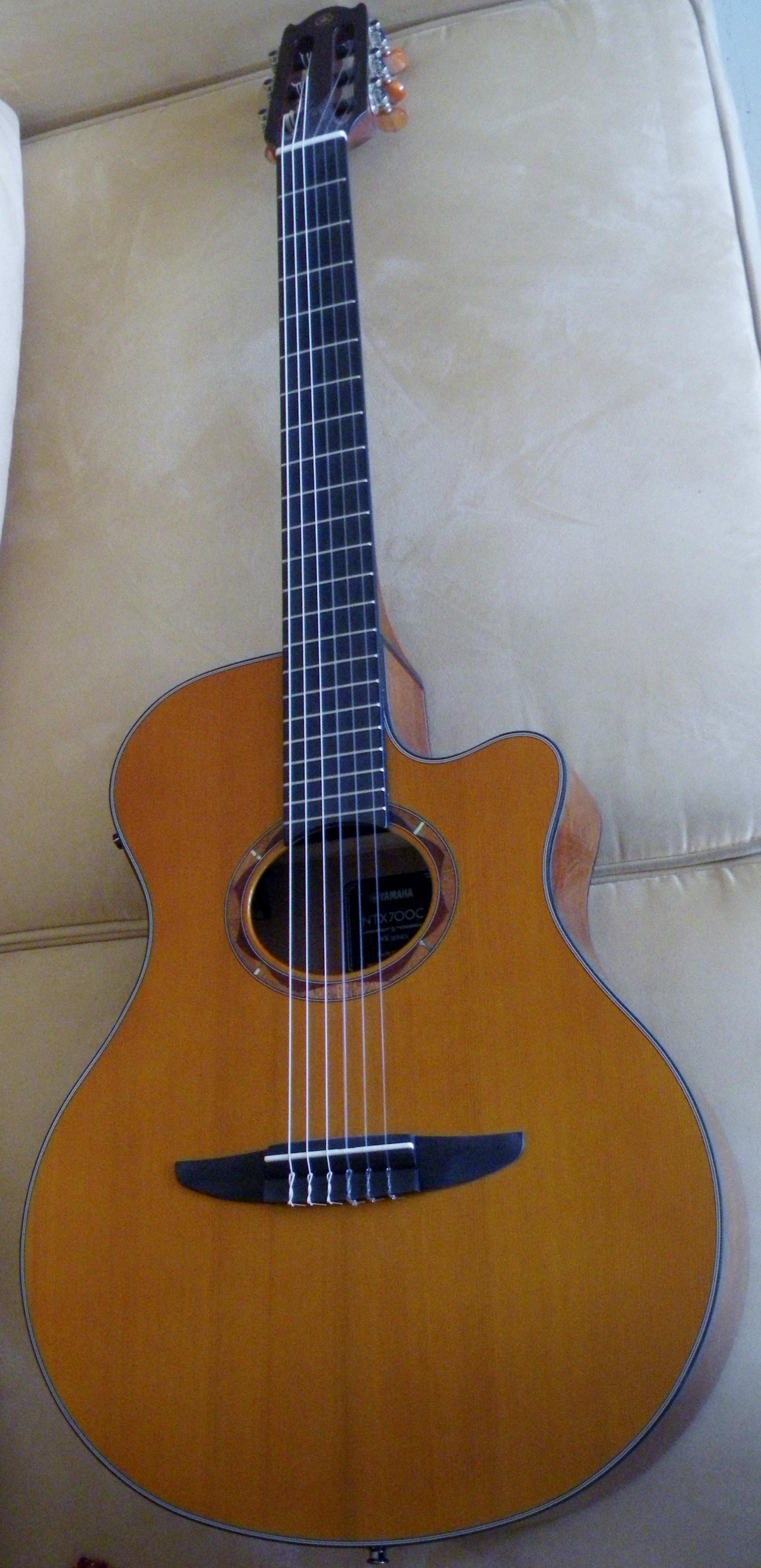 ntx 700 c dre guitare yamaha electro acoustique corde nylon languedoc roussillon audiofanzine. Black Bedroom Furniture Sets. Home Design Ideas