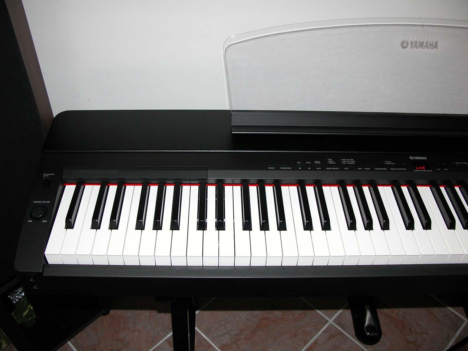 Photo yamaha p 155b yamaha p 155 137286 audiofanzine for Yamaha m1 piano