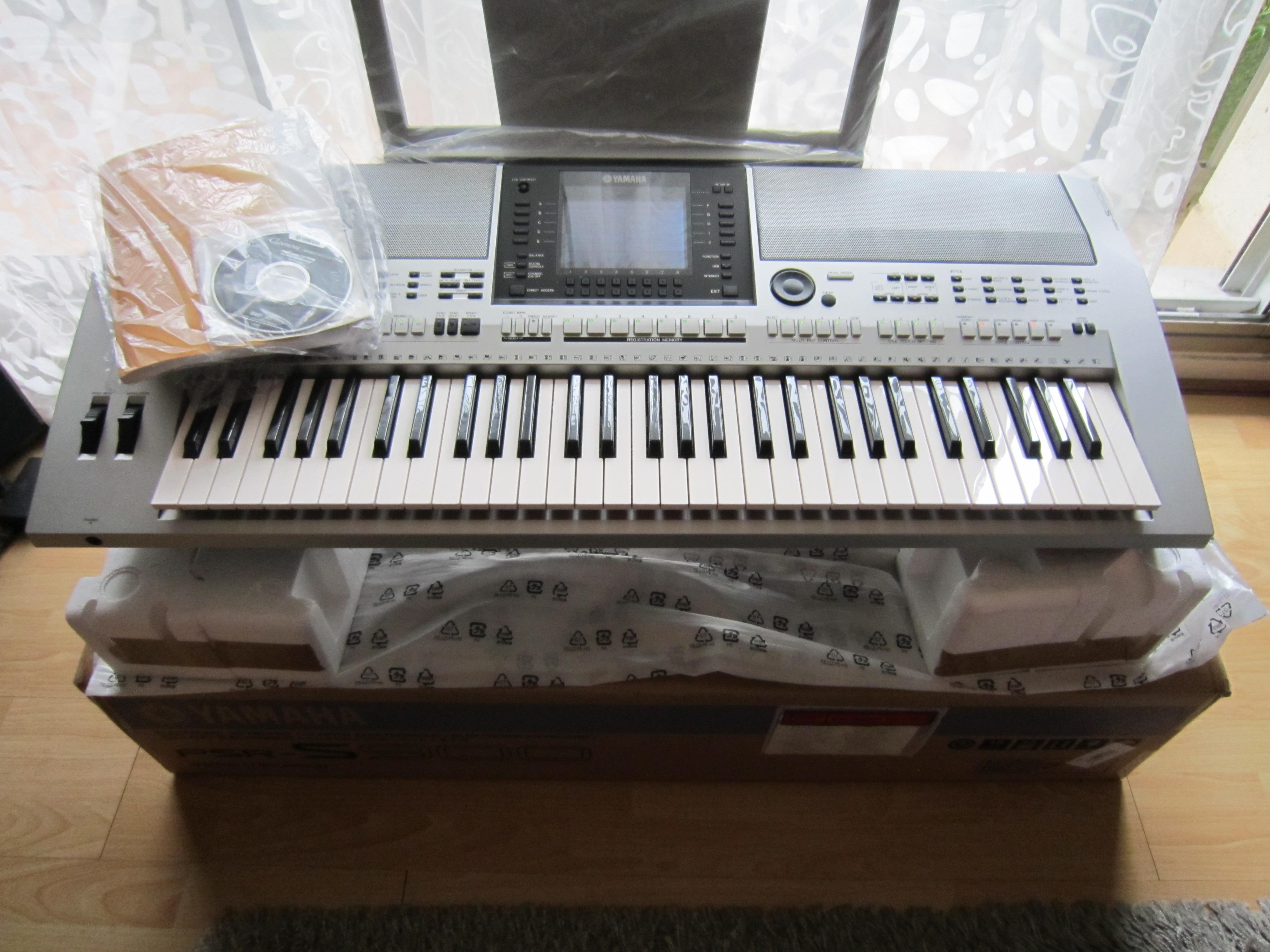 Yamaha psr s900 image 613427 audiofanzine for Psr s900 yamaha